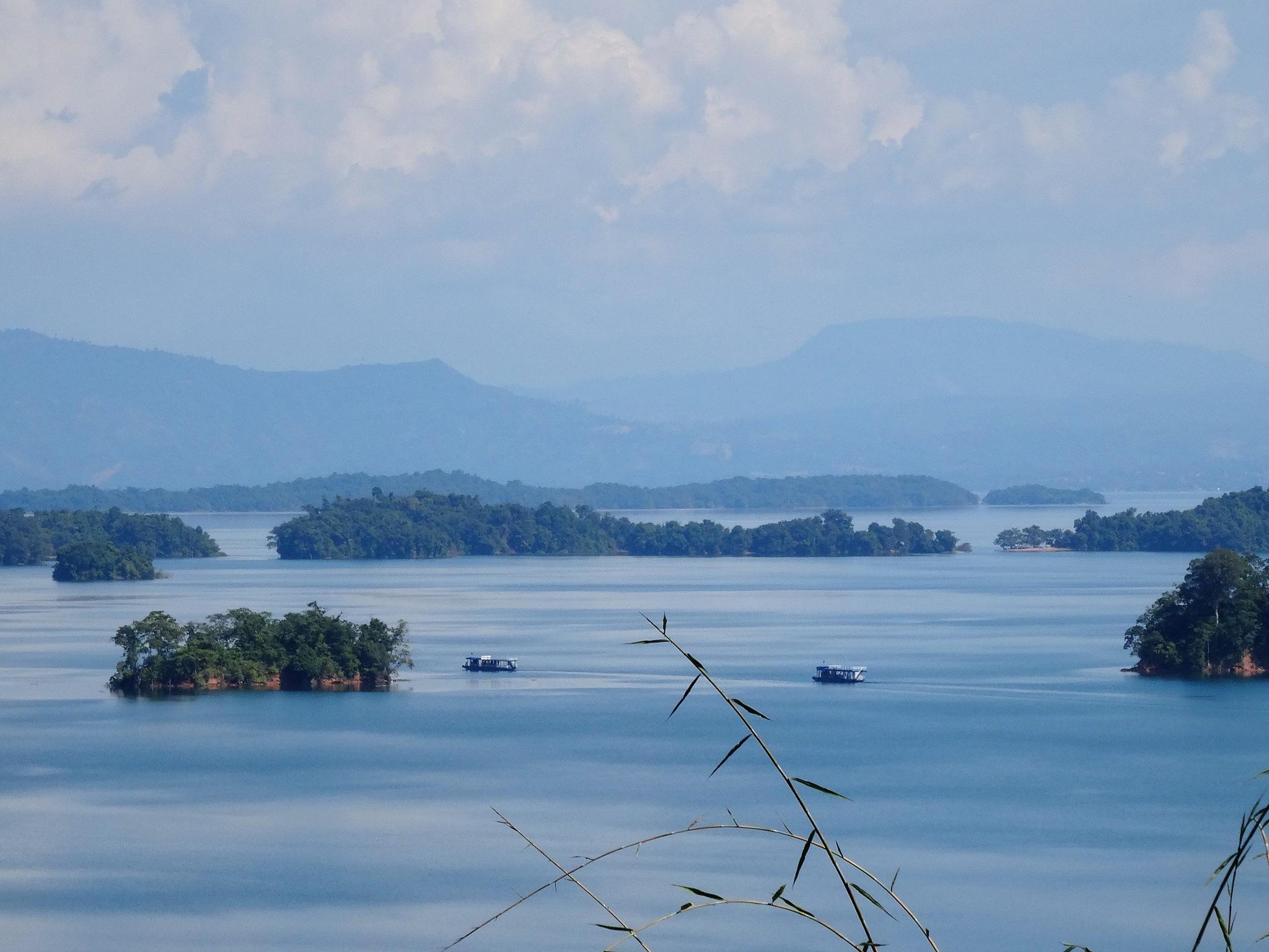 Lake by TonC