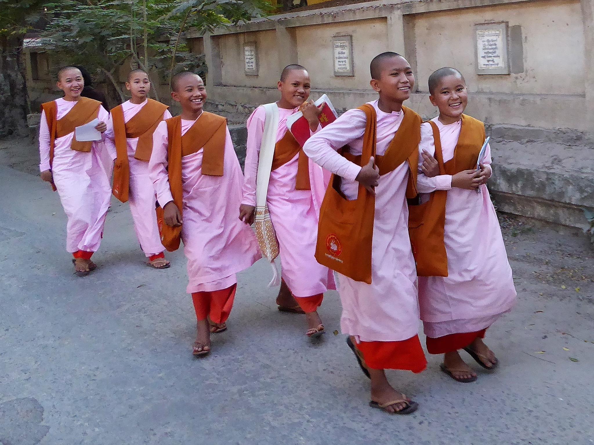 Boeddhist  monks by TonC