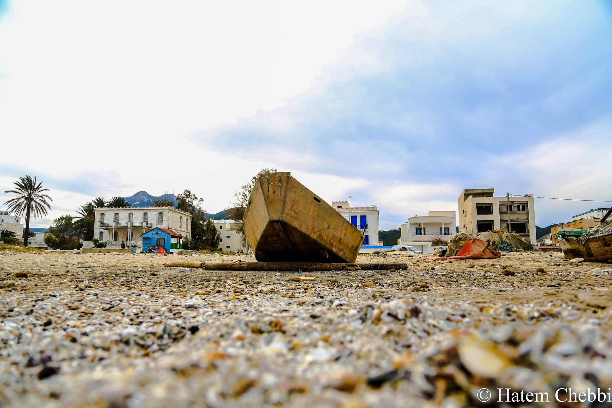 old boat by Hatem Chebbi