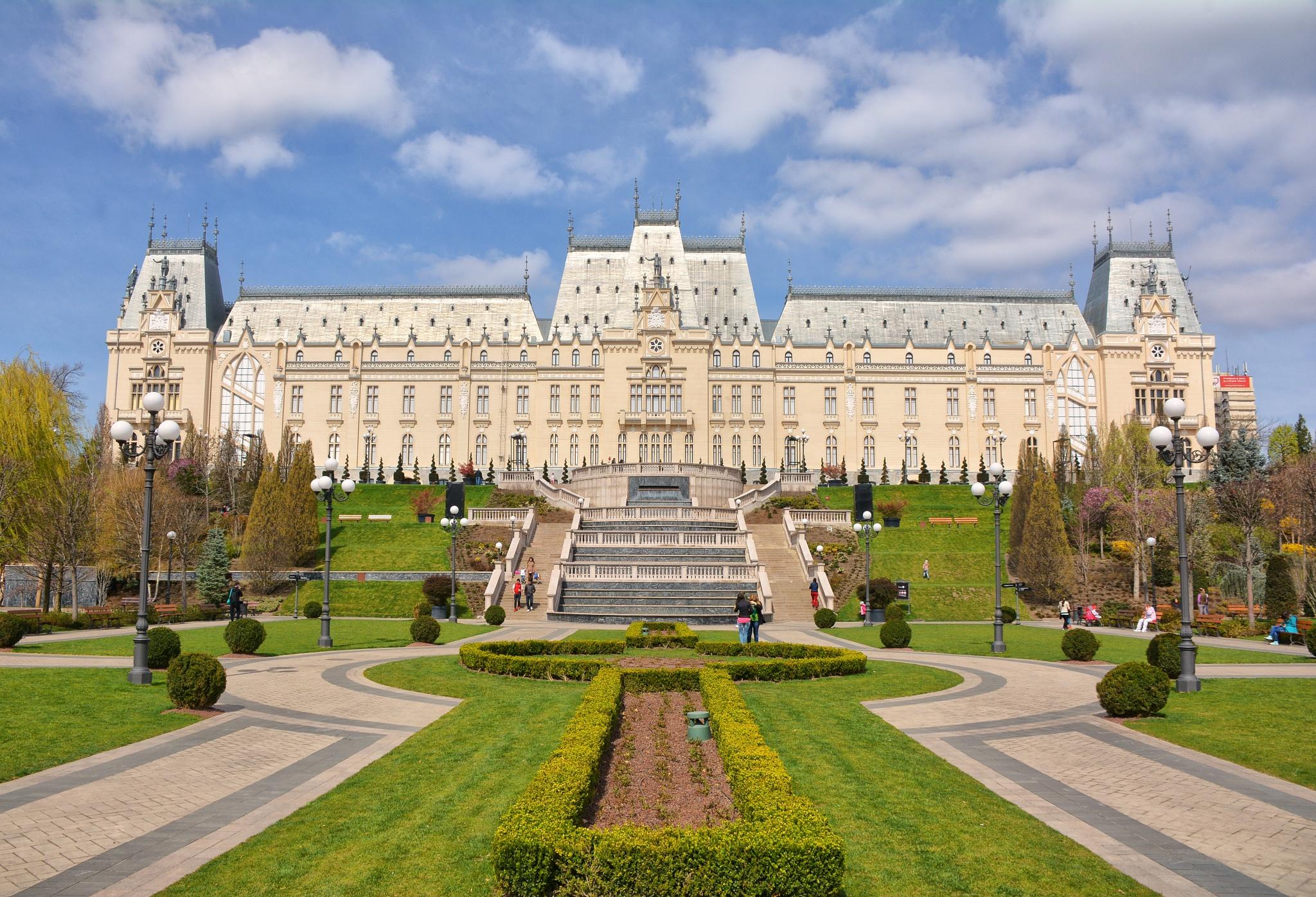 Palatul Culturii, Iași, Romania by maradesign