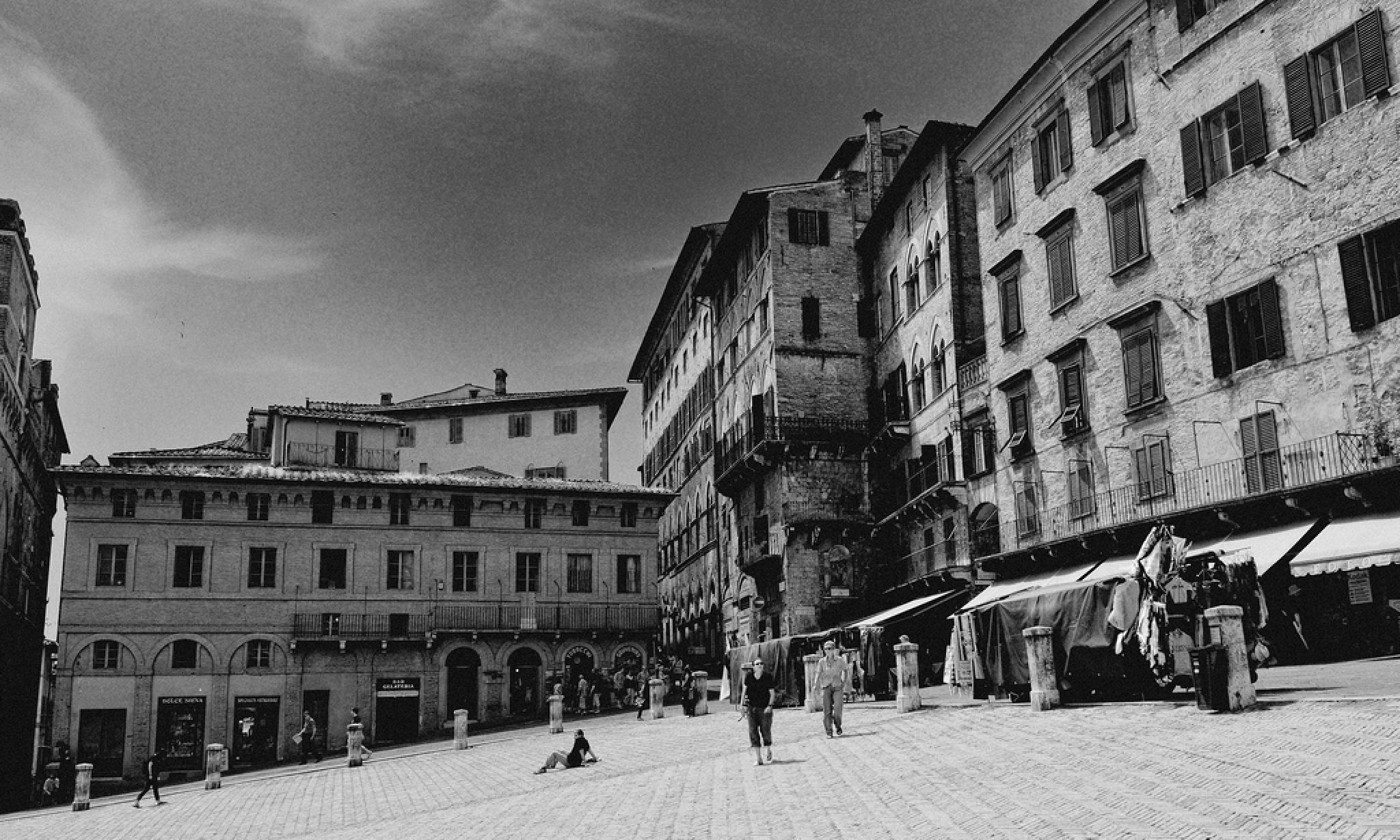 Siena - Centro Storico - Piazza del Campo by Wolfgang Dengler