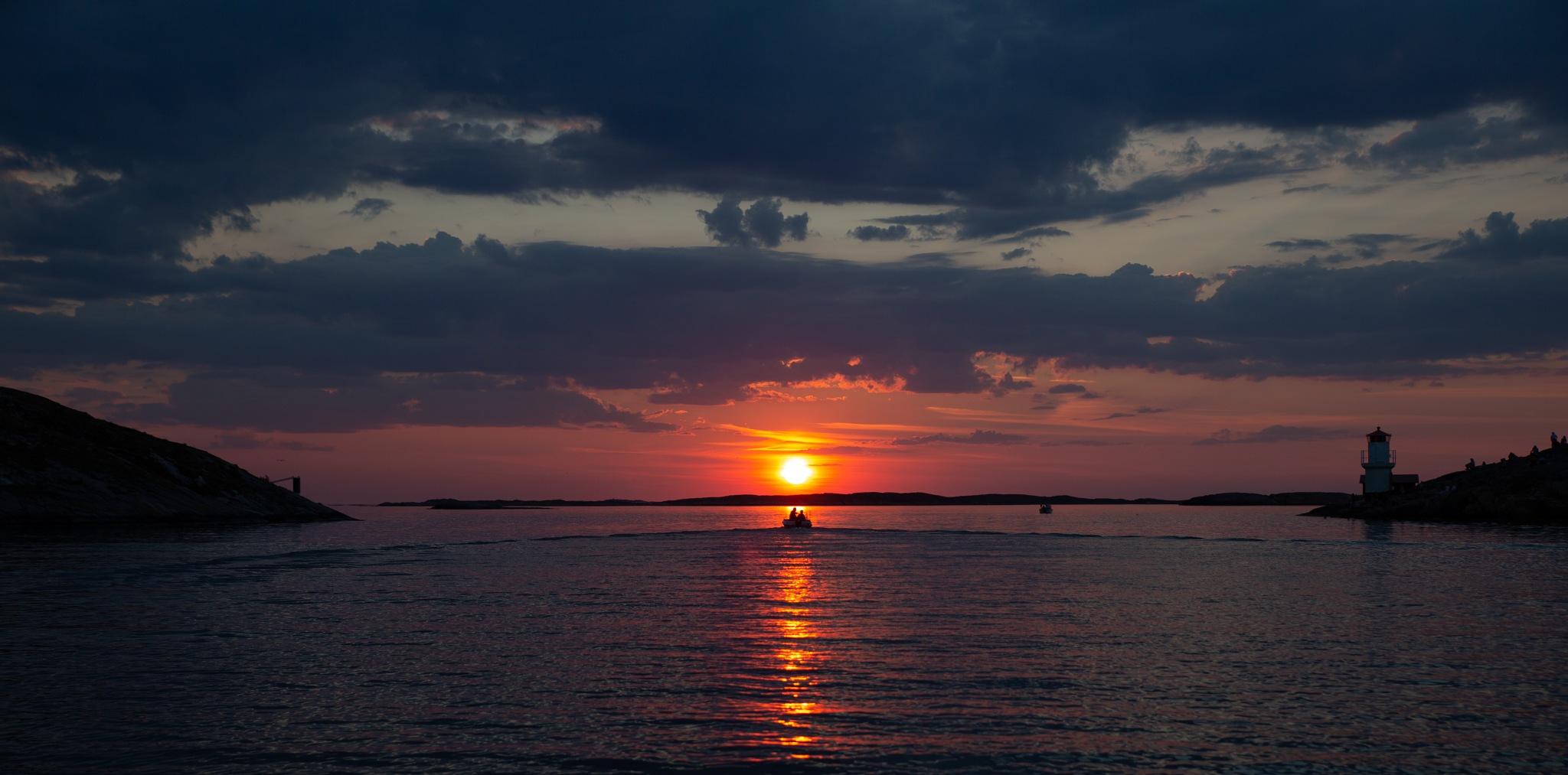 Summernight on the Swedish westcoast by UlrikaE