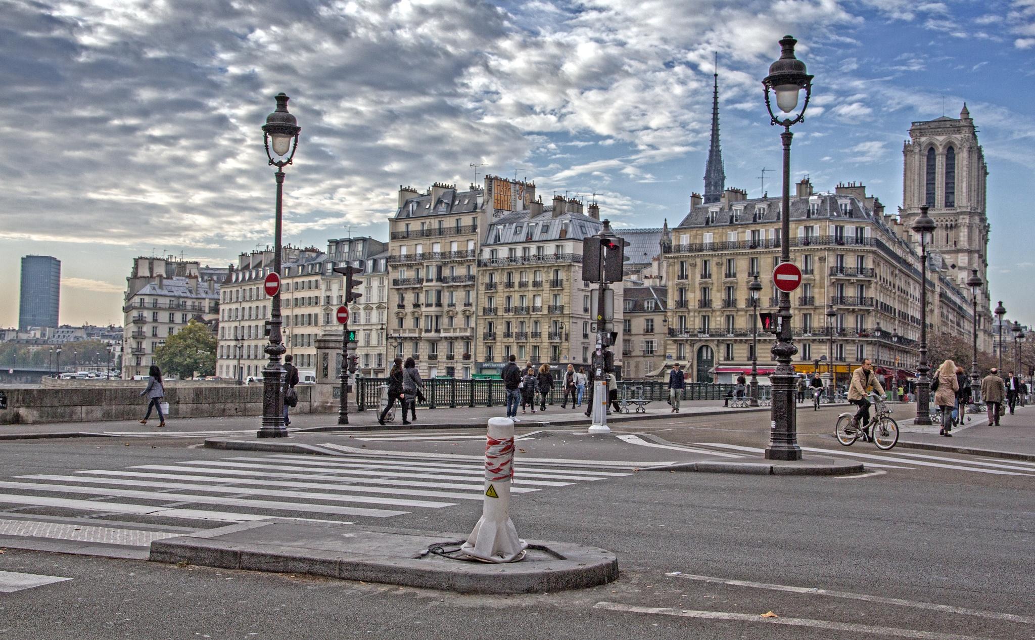 Paris Morning by Michael Stapfer