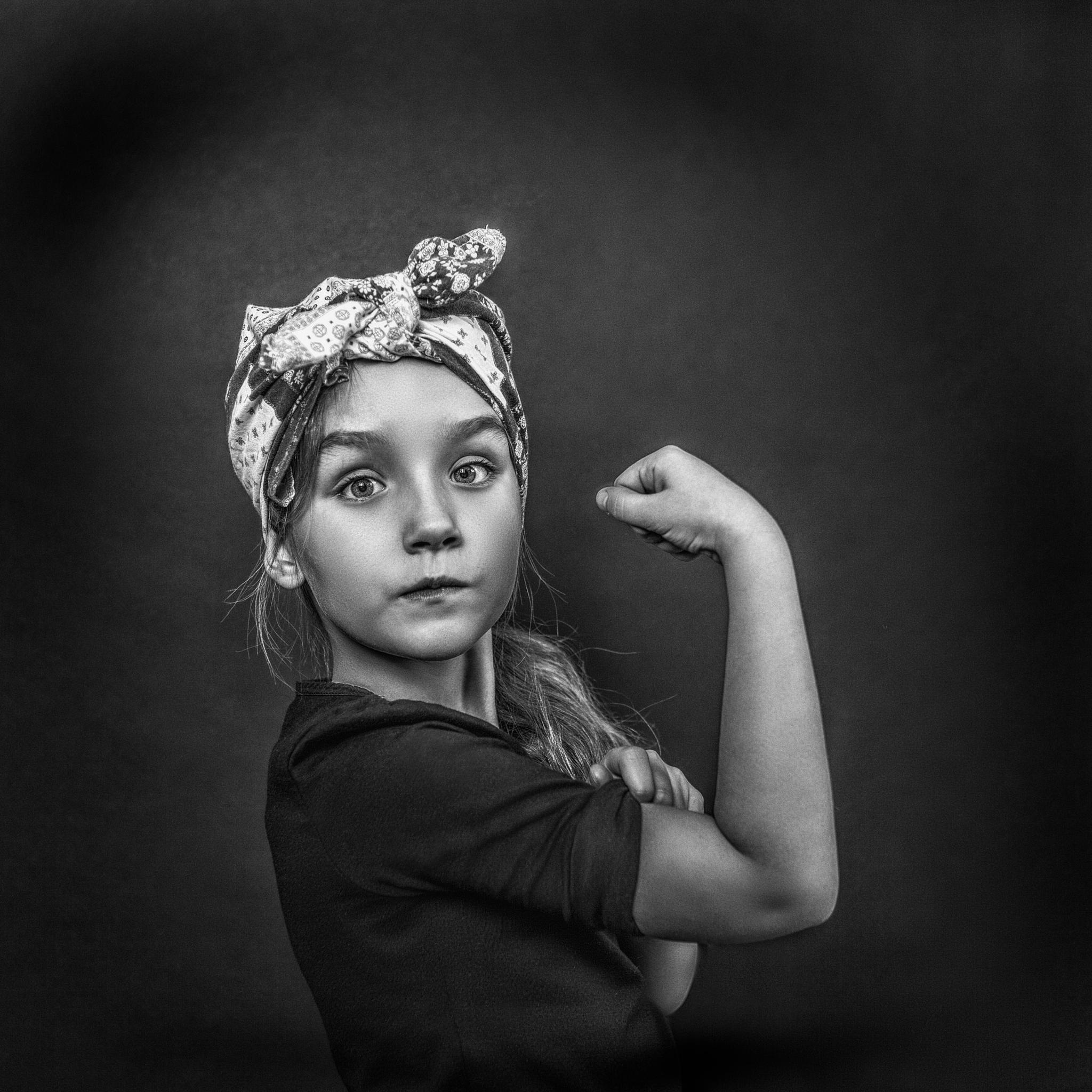 Girl power by Bas Pisa
