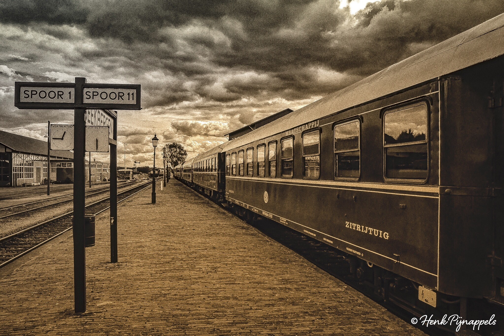 Last Train... by Henk Pijnappels