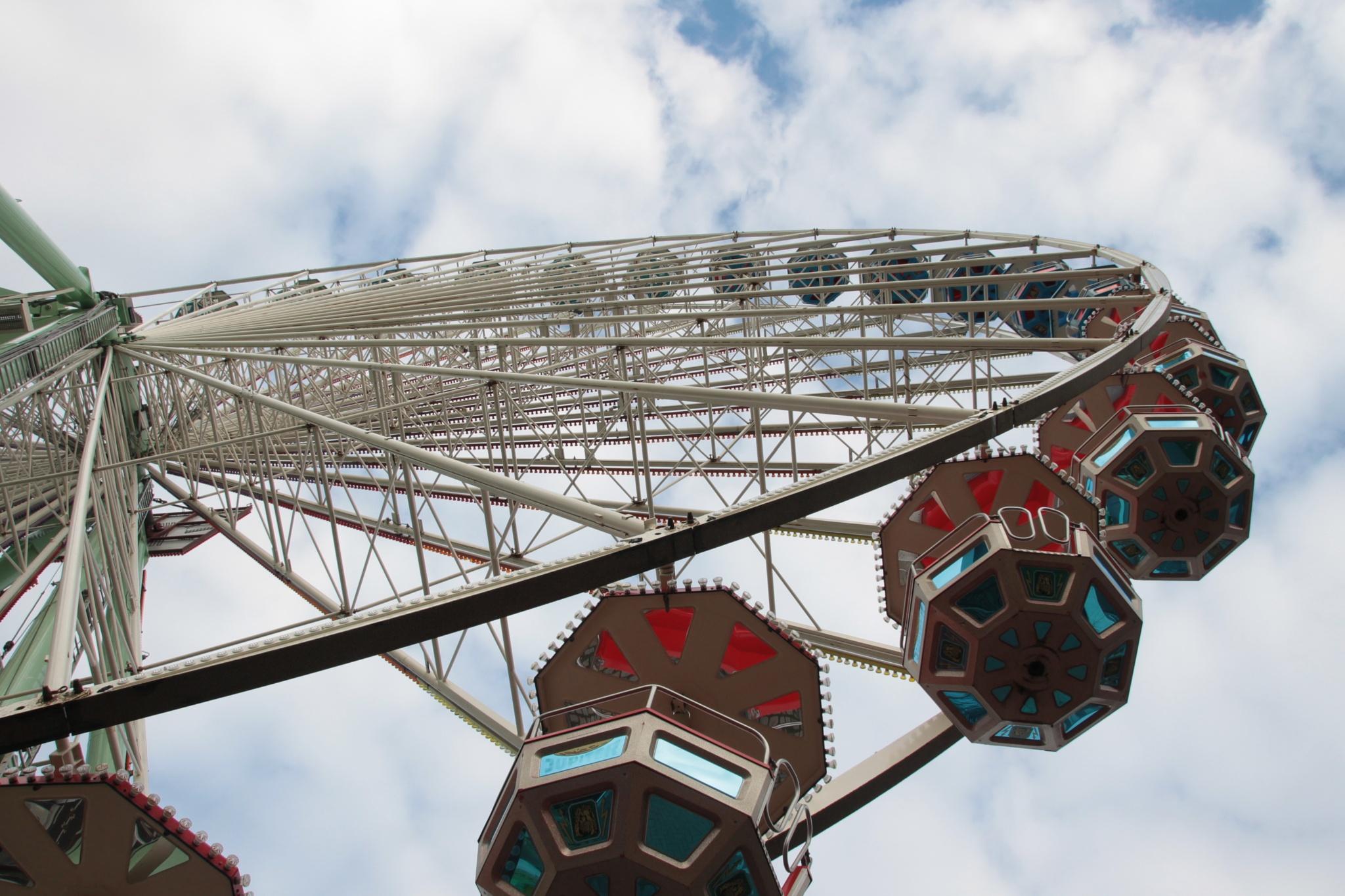 Ferris Wheel, no photoshop by Linus De Witte