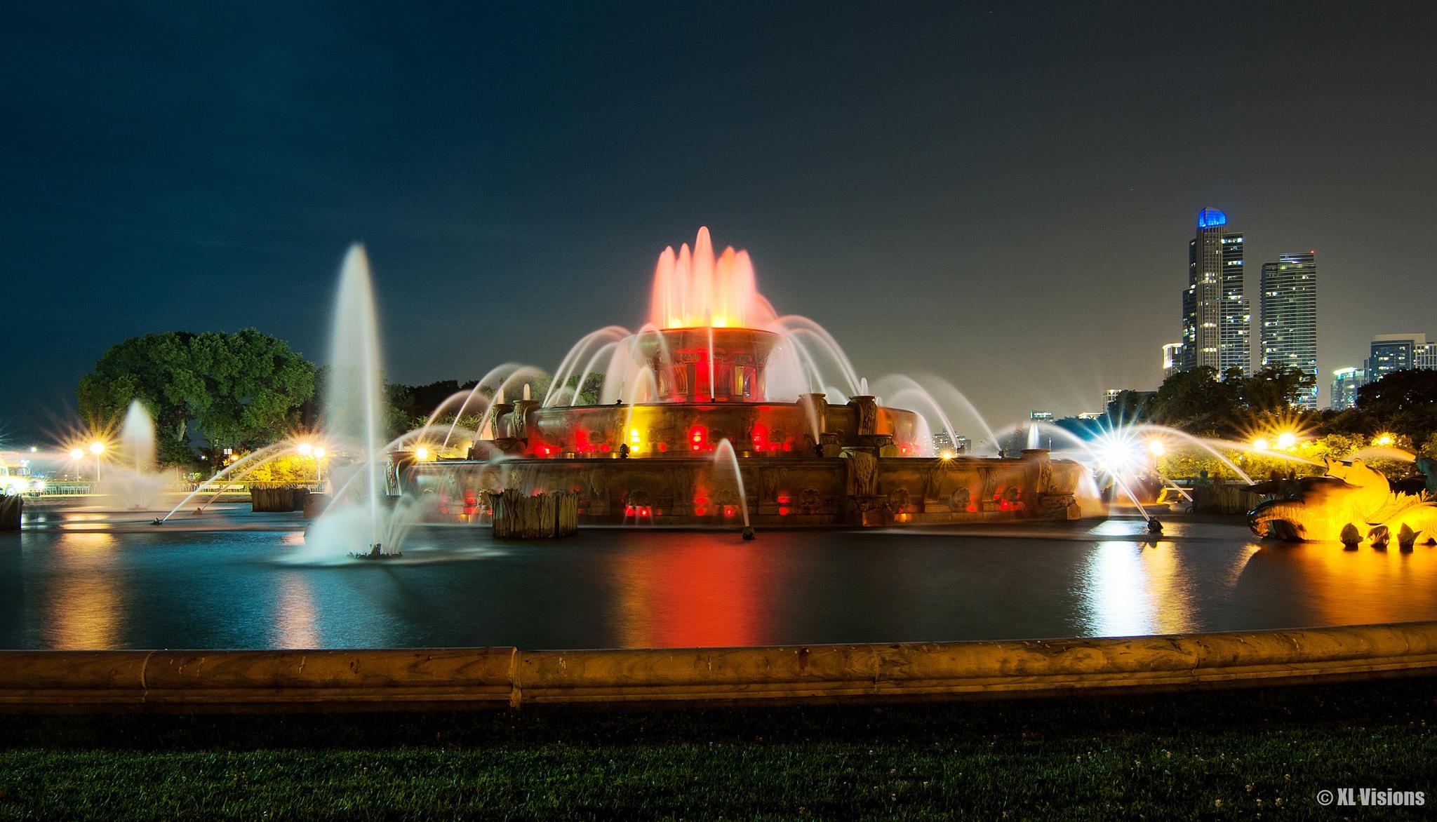 Buckingham Fountain by Tomasz Worek