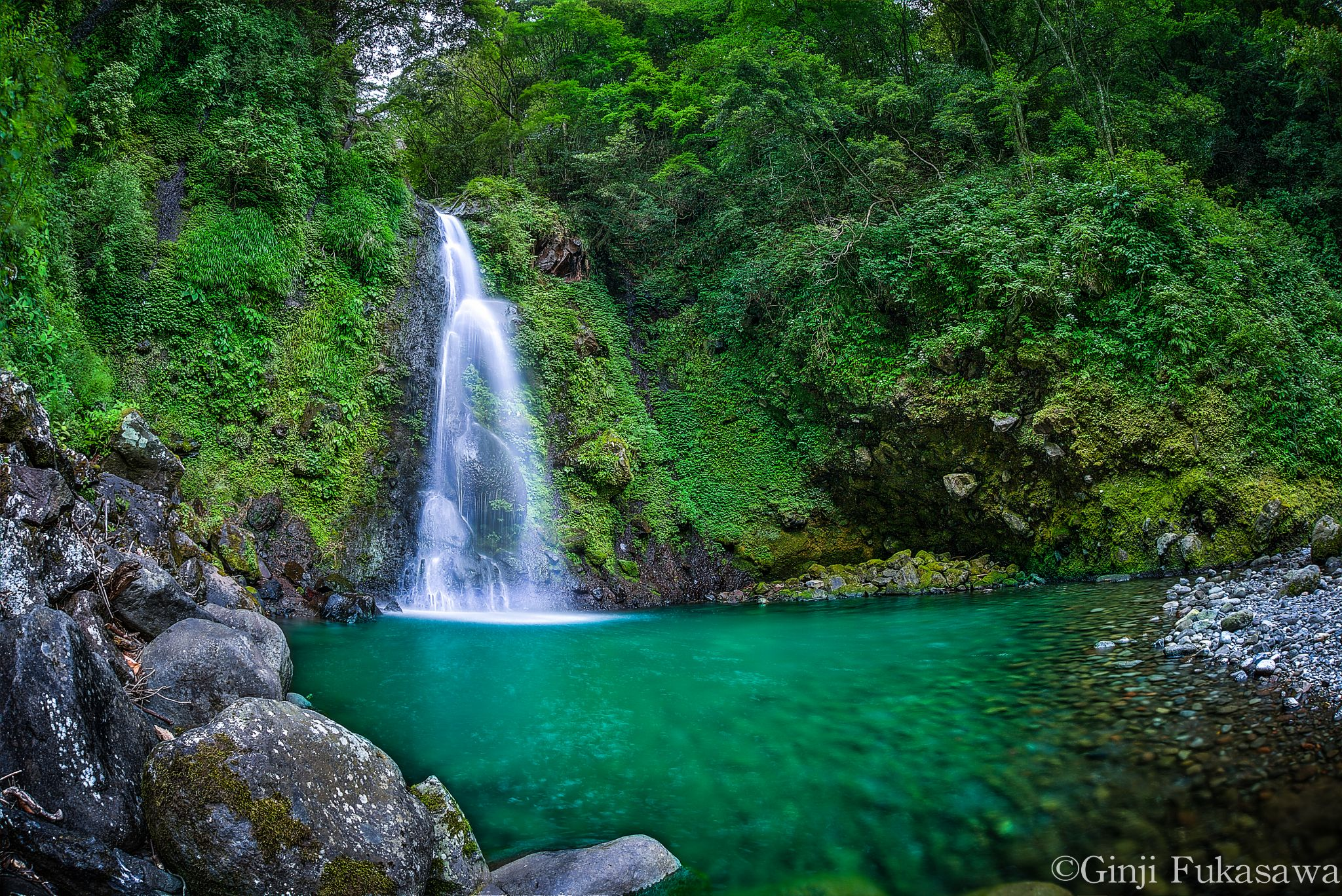Green waterfal by GinjiFukasawa