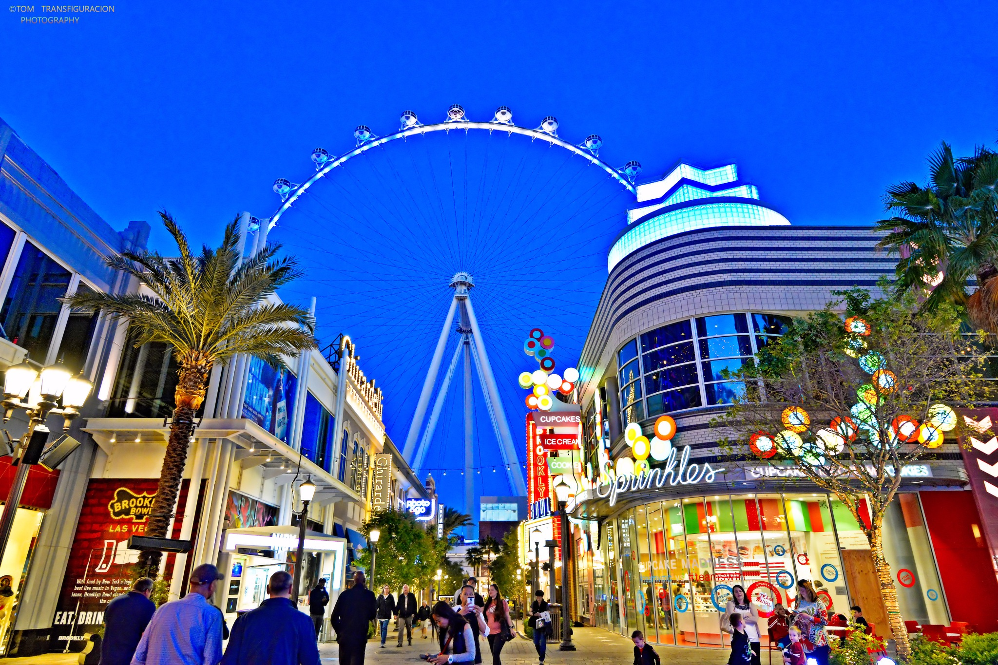 The strip and a high roller by Transfiguracion Images