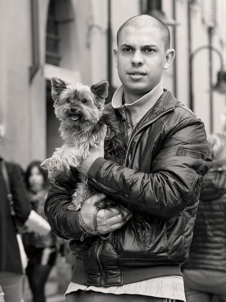 Doggie in hand by nnudekim