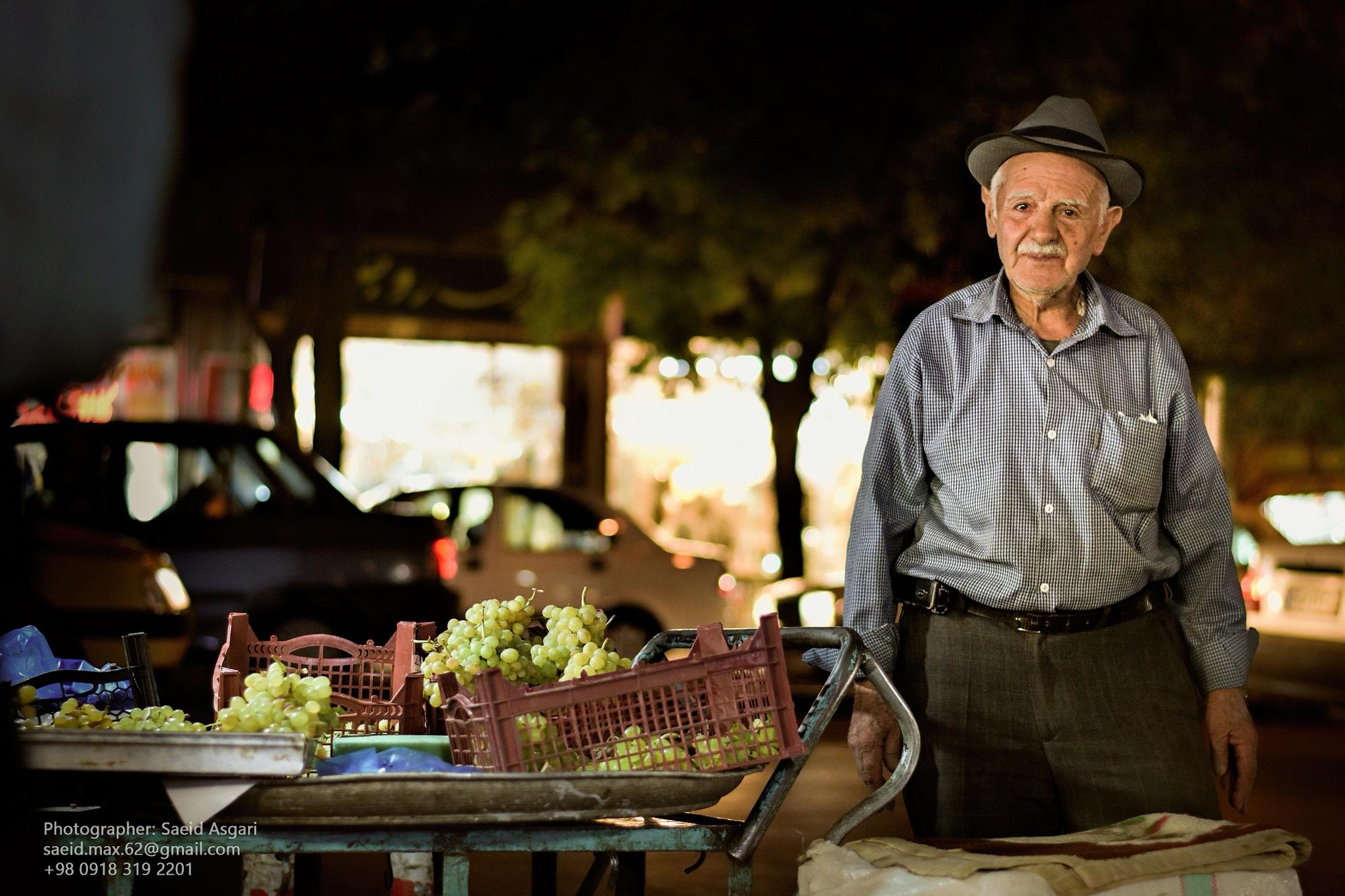 The Old man grapes seller... by Saeid_Asgari
