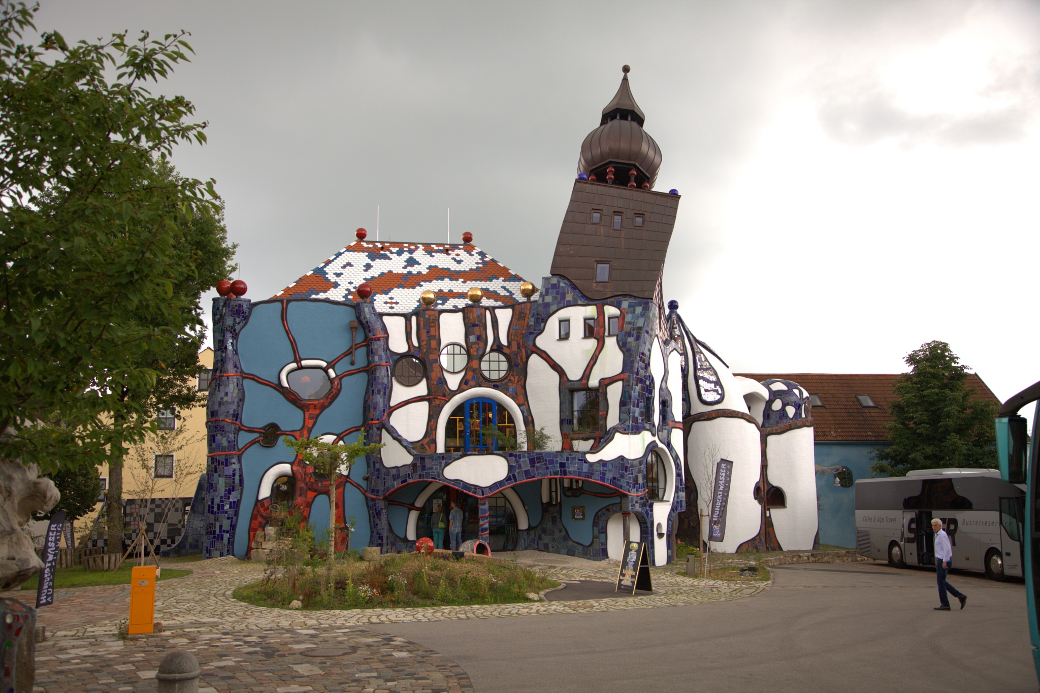 Hundertwasser-museum by Rolf-Dieter Balindt