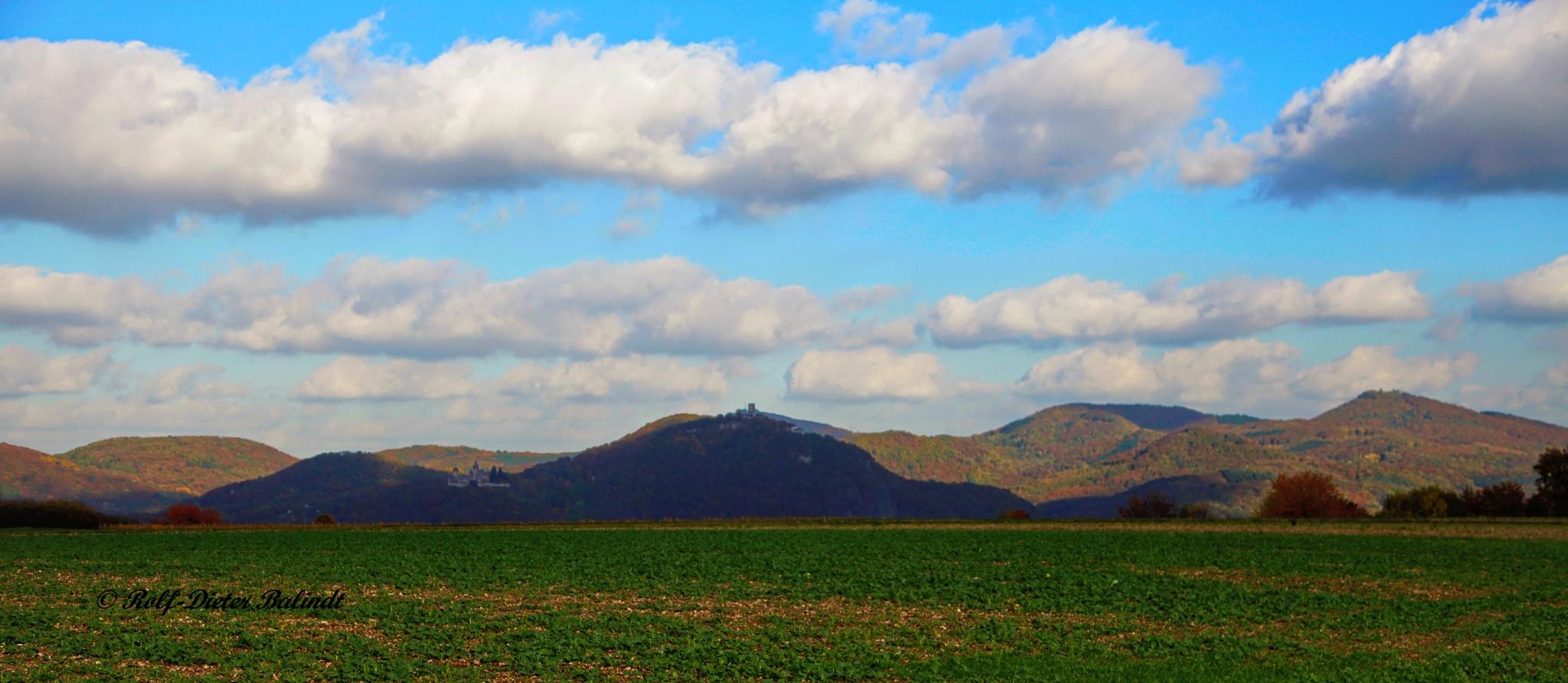 Wolkenschatten auf dem Siebengebirge by Rolf-Dieter Balindt