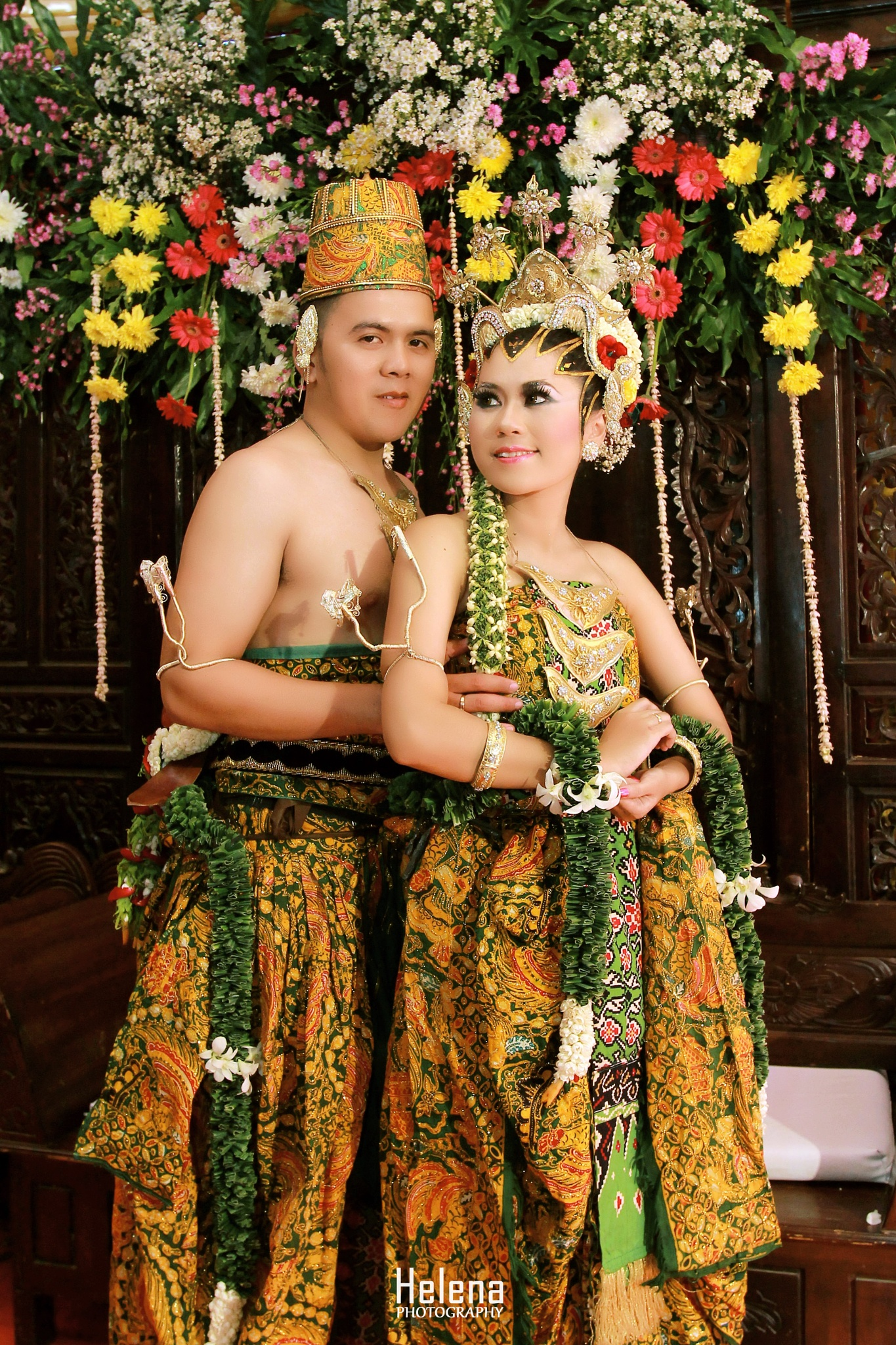 Wedding Traditional of Indonesia by Helena Photo
