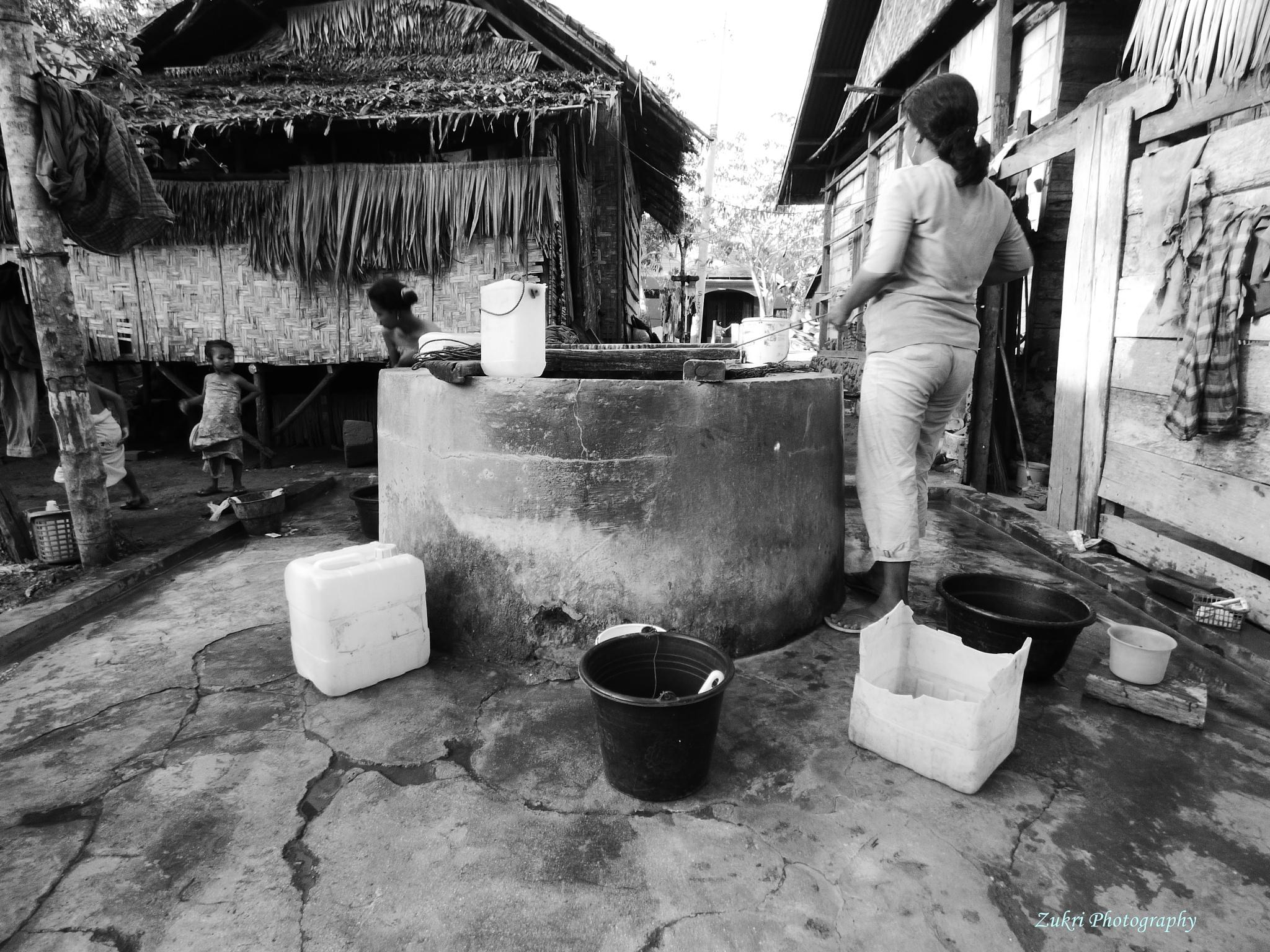 Traditional Well by Zukri Ld