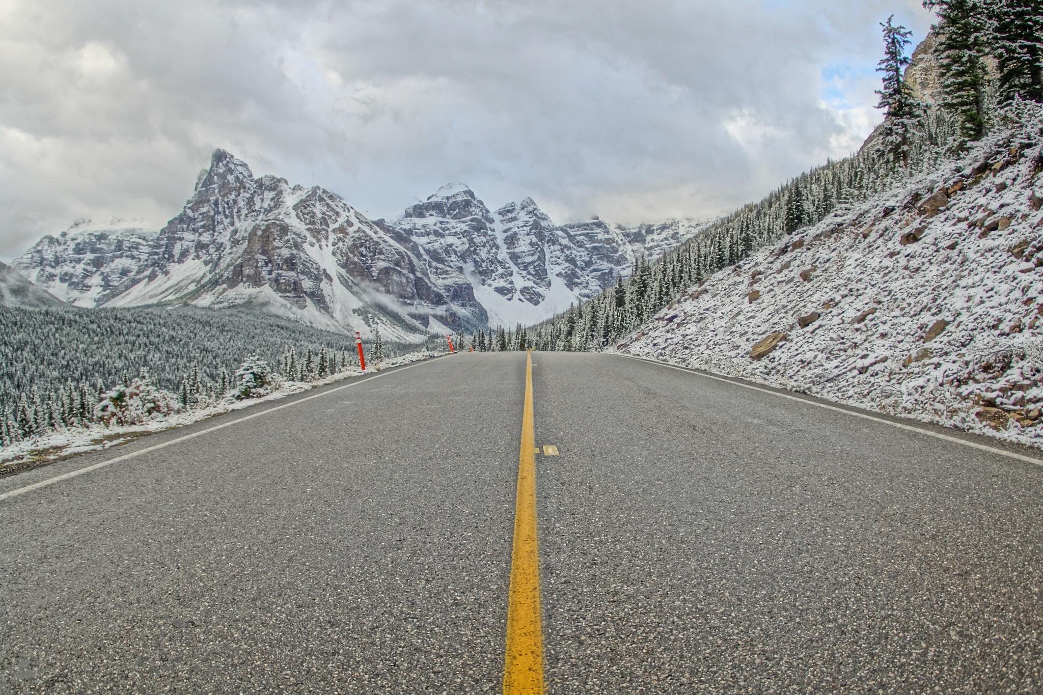 Heading to Moraine Lake by Ryan Kole