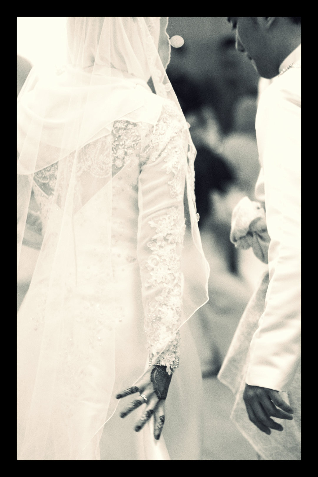 a malay wedding by Amri Rohayat