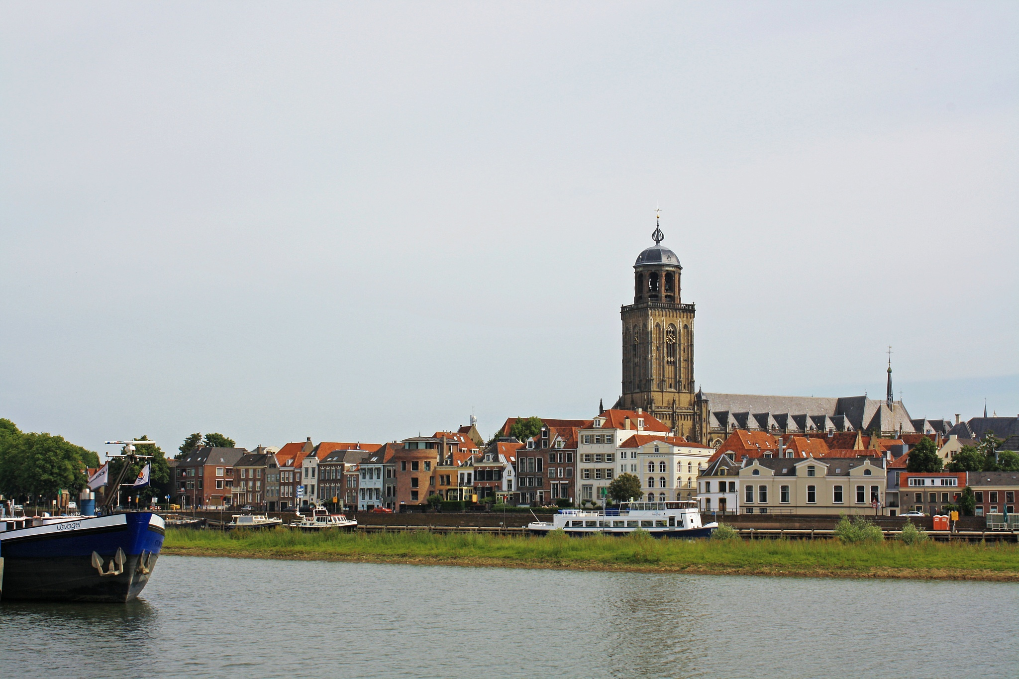 Skyline of Deventer-Holland by Bob66