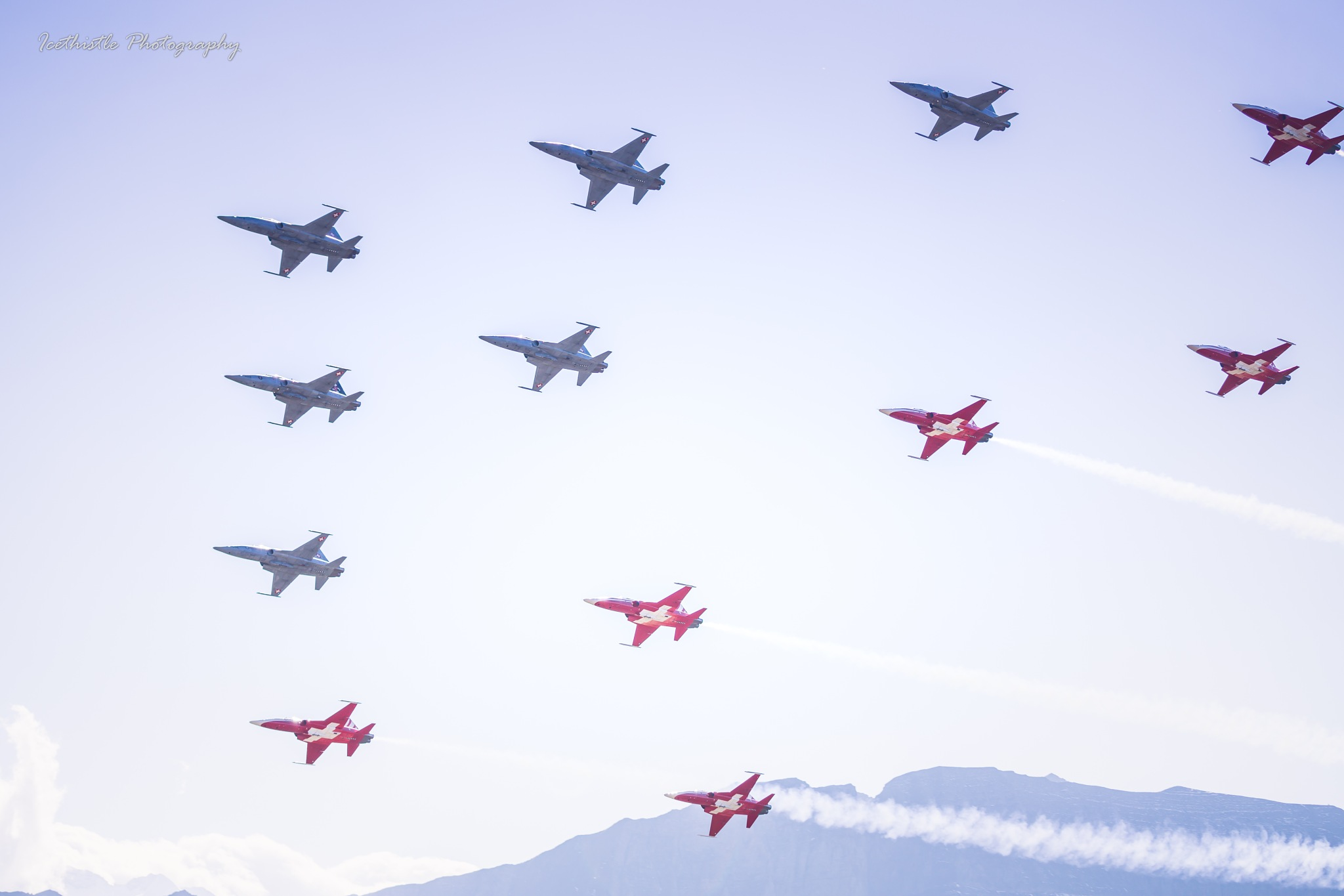 Photo in Vehicle #northrop #f-5 #tiger #airforce #swiss #airshow #formation #fliegerschiessen #axalp #alpine #alps #patrouillesuisse #sky