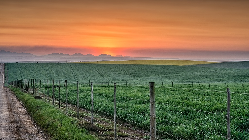 Swellendam Sunrise by zsthreef