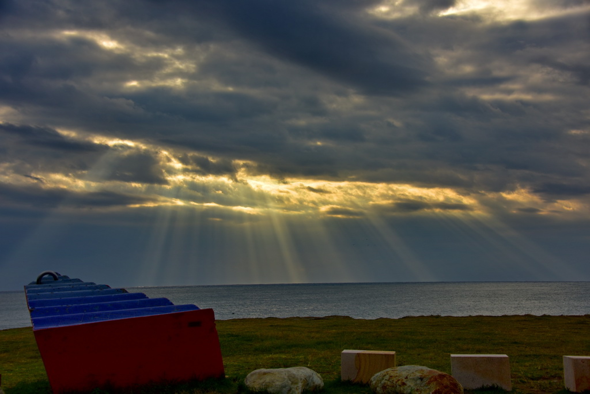 Sun rays. by petertyghbn