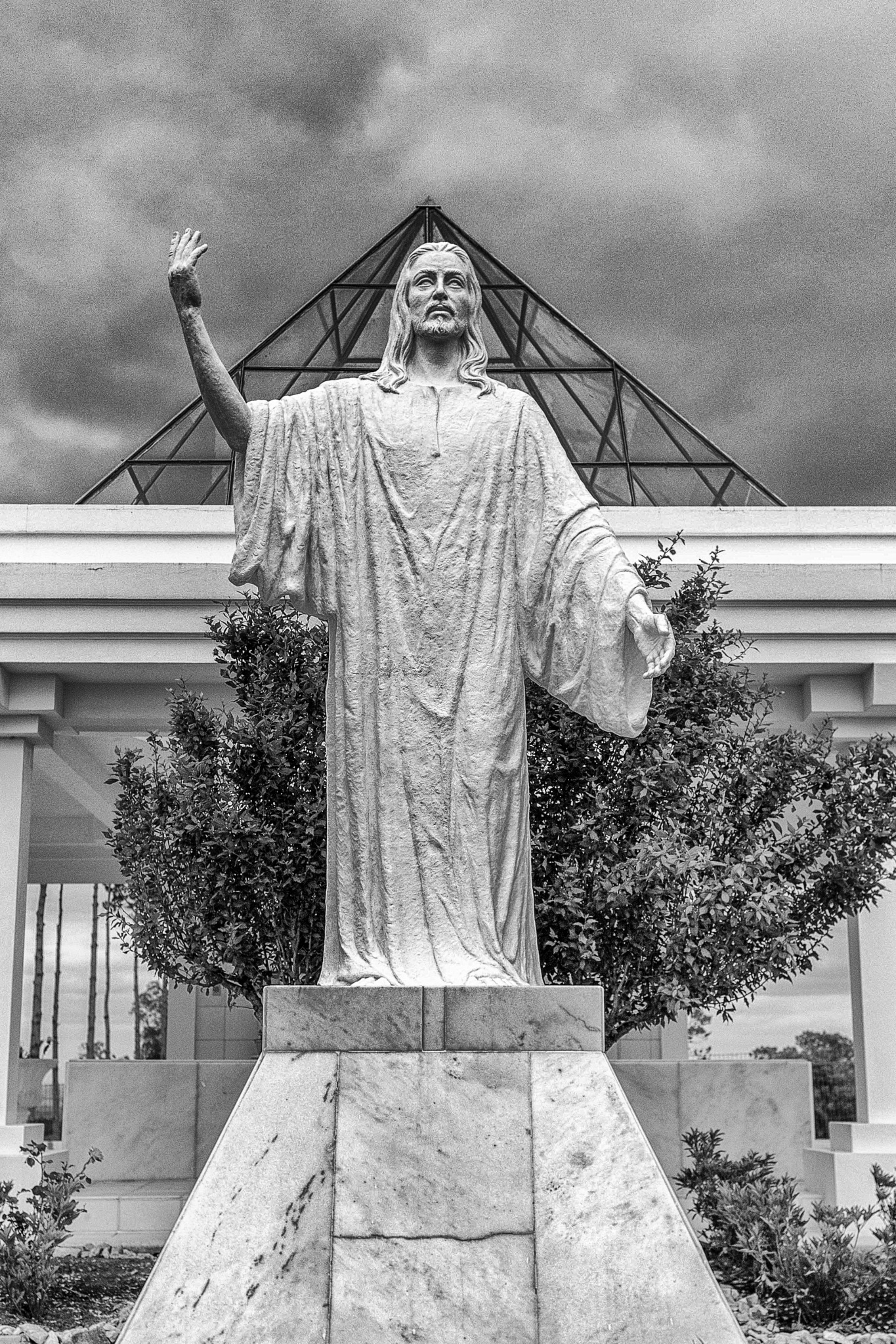 Santuario Piraju Nicola by williancorrea