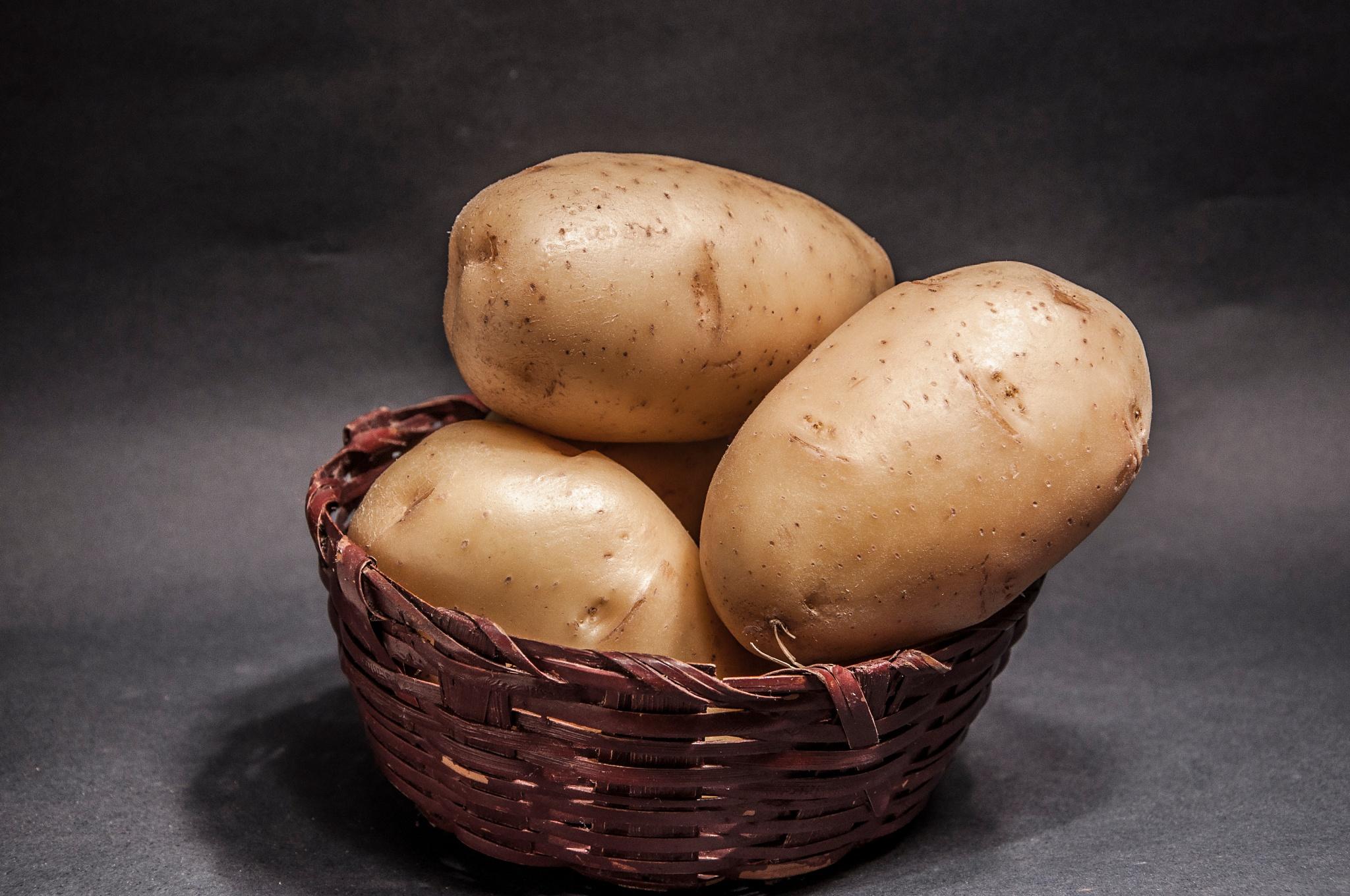 Potatoes 9 by Valmirez
