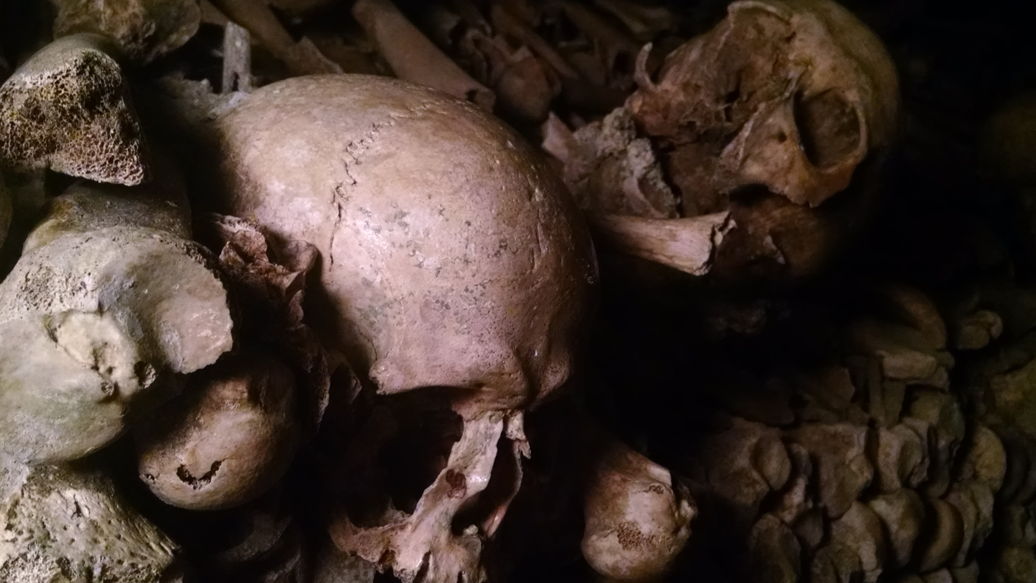 Les Catacombes  by Scorpio13 Photography