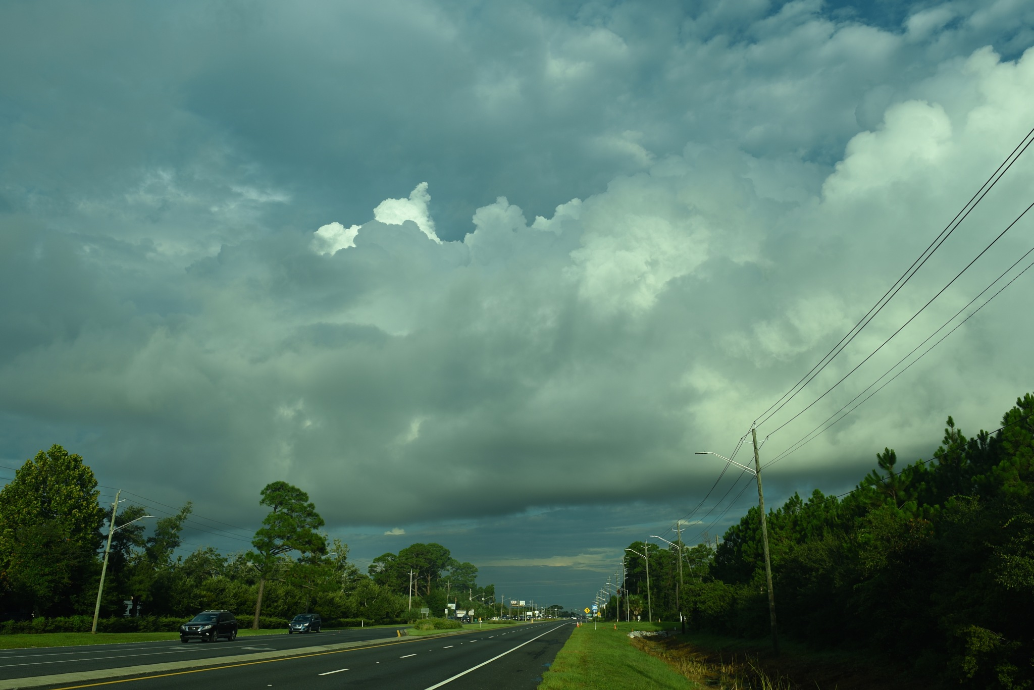 a storm is coming, in Louisiana by Liliane Sticher