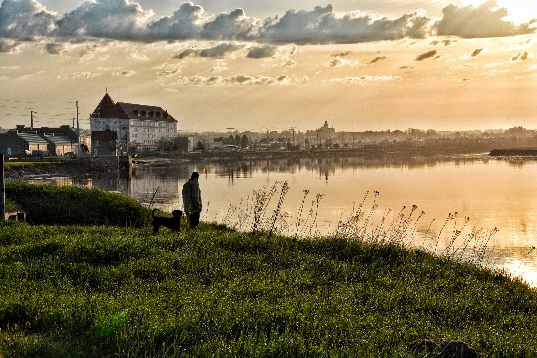 Sunrise on the Petitcodiac River by phototerroso