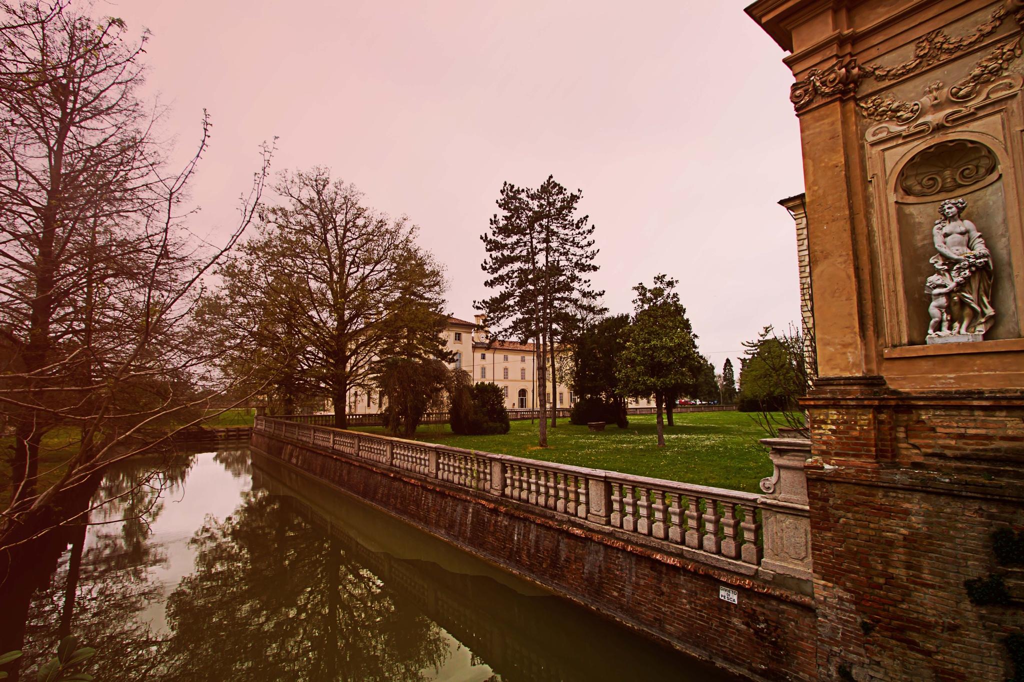 Villa by Maurizio