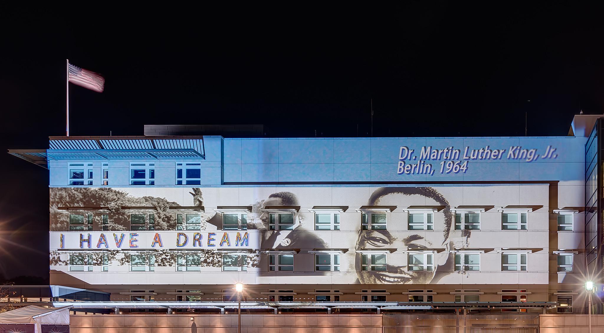 Botschaft der USA in Berlin - Fol 2014 by Frank Haase