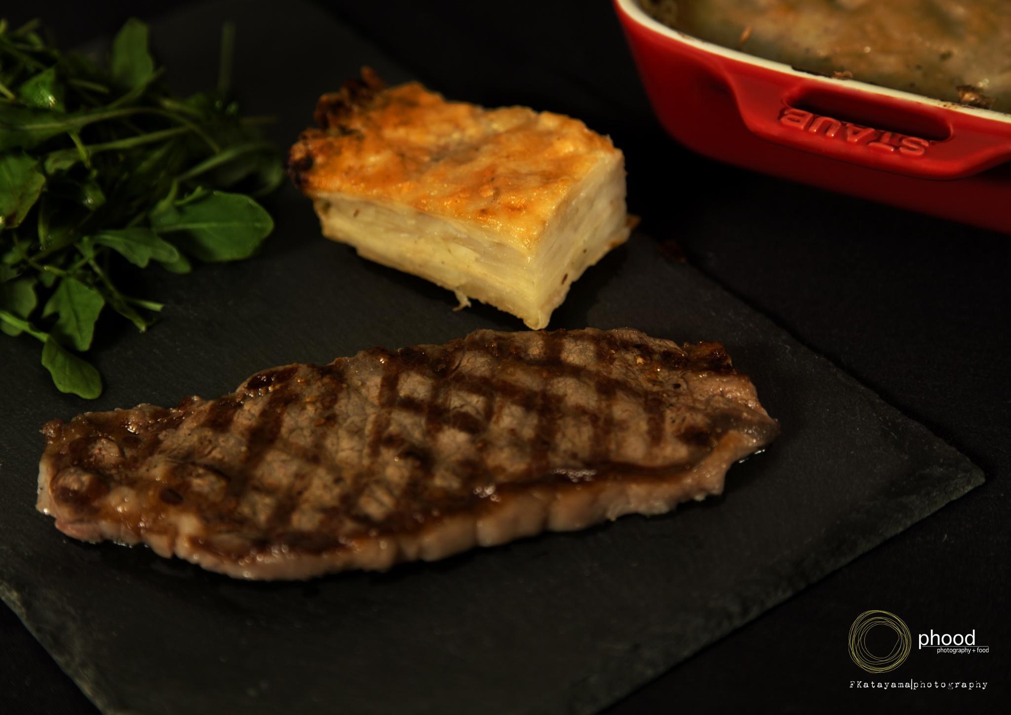 Steak on the Rock by Fernando Katayama