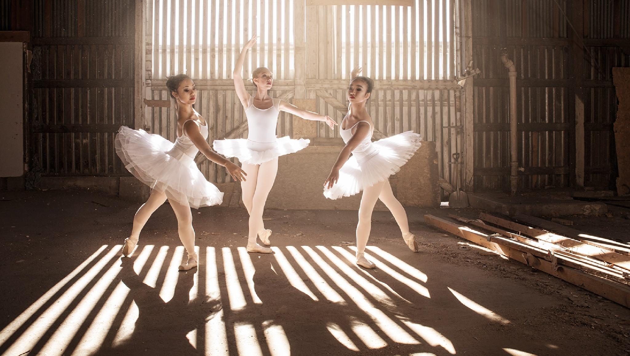 Light Ballet by AaronAndersonPhoto