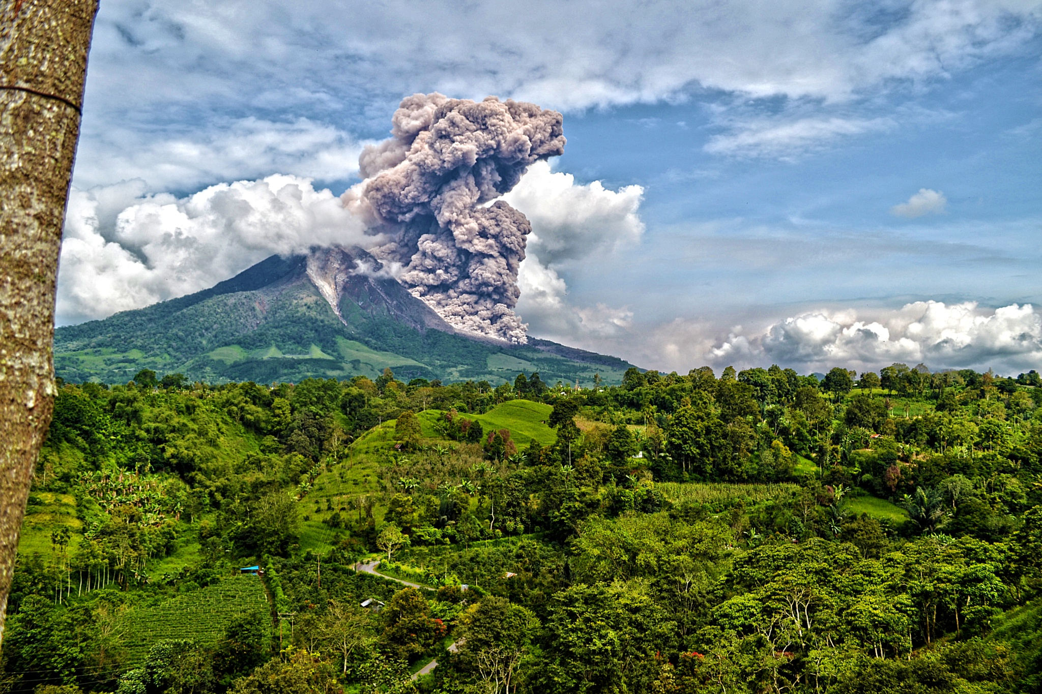 The Sinabung Volcano by Kriswanto Ginting's