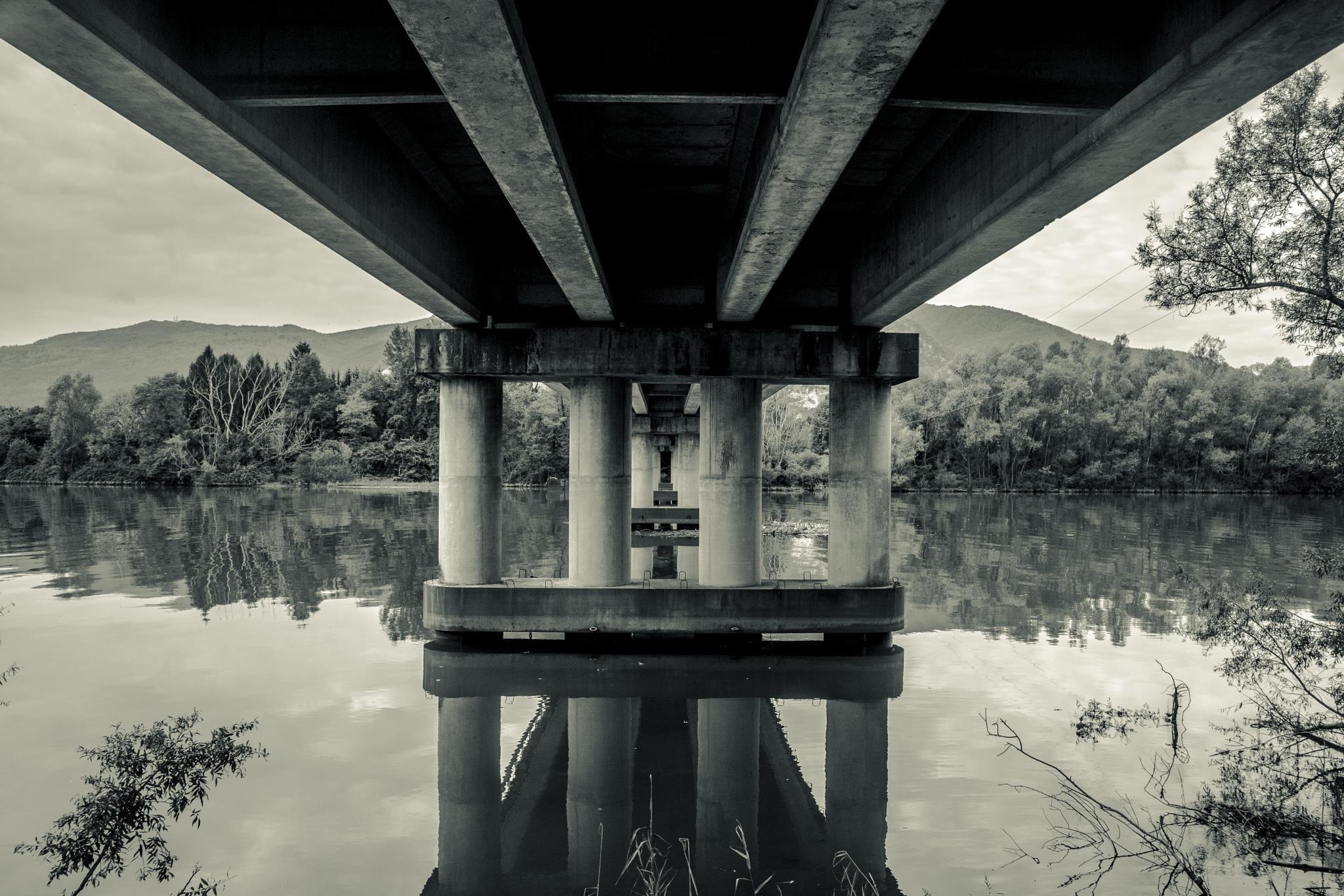 Under the Bridge by claudioturrin77