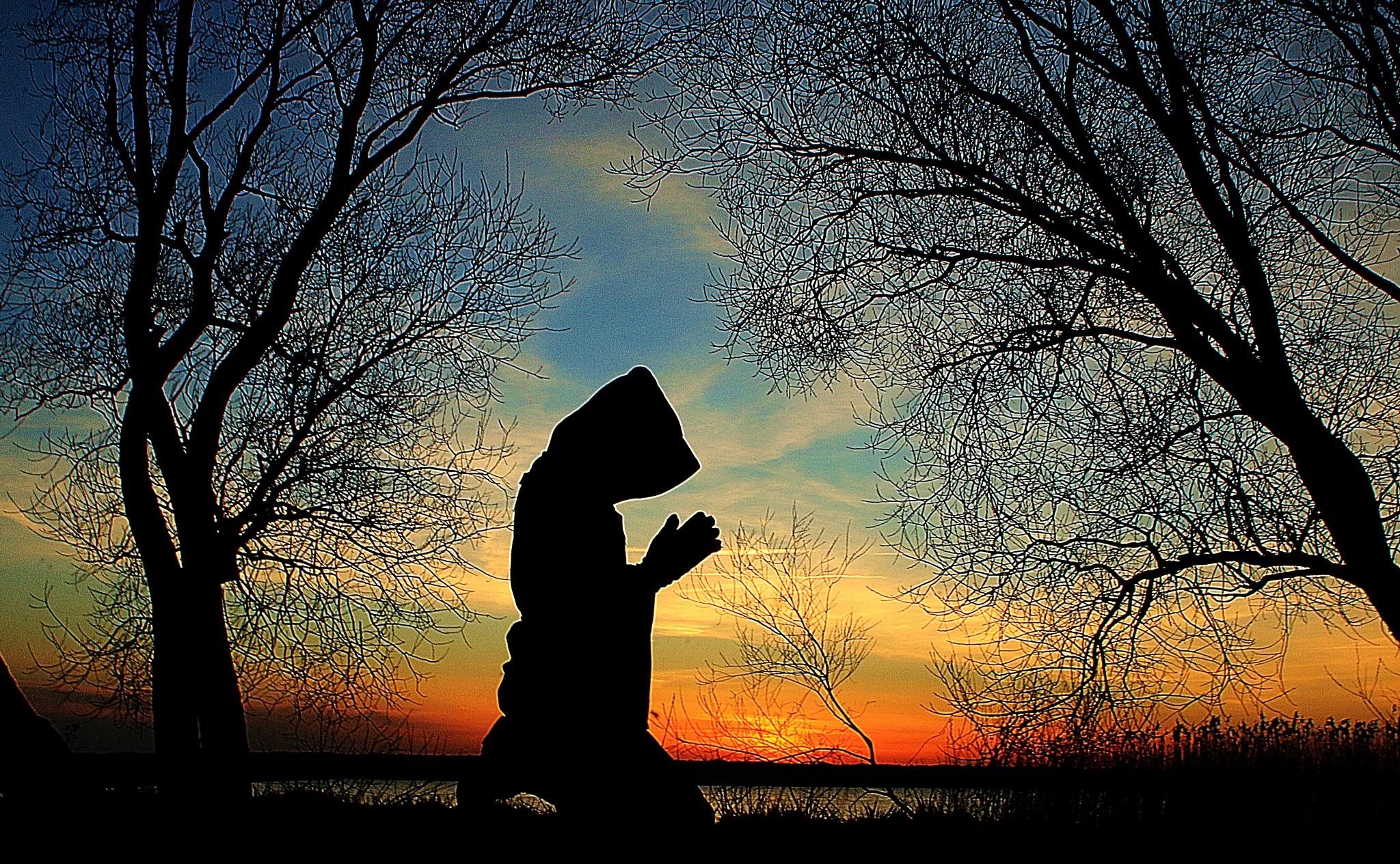 prayer by JAKOKTO PAUKAS