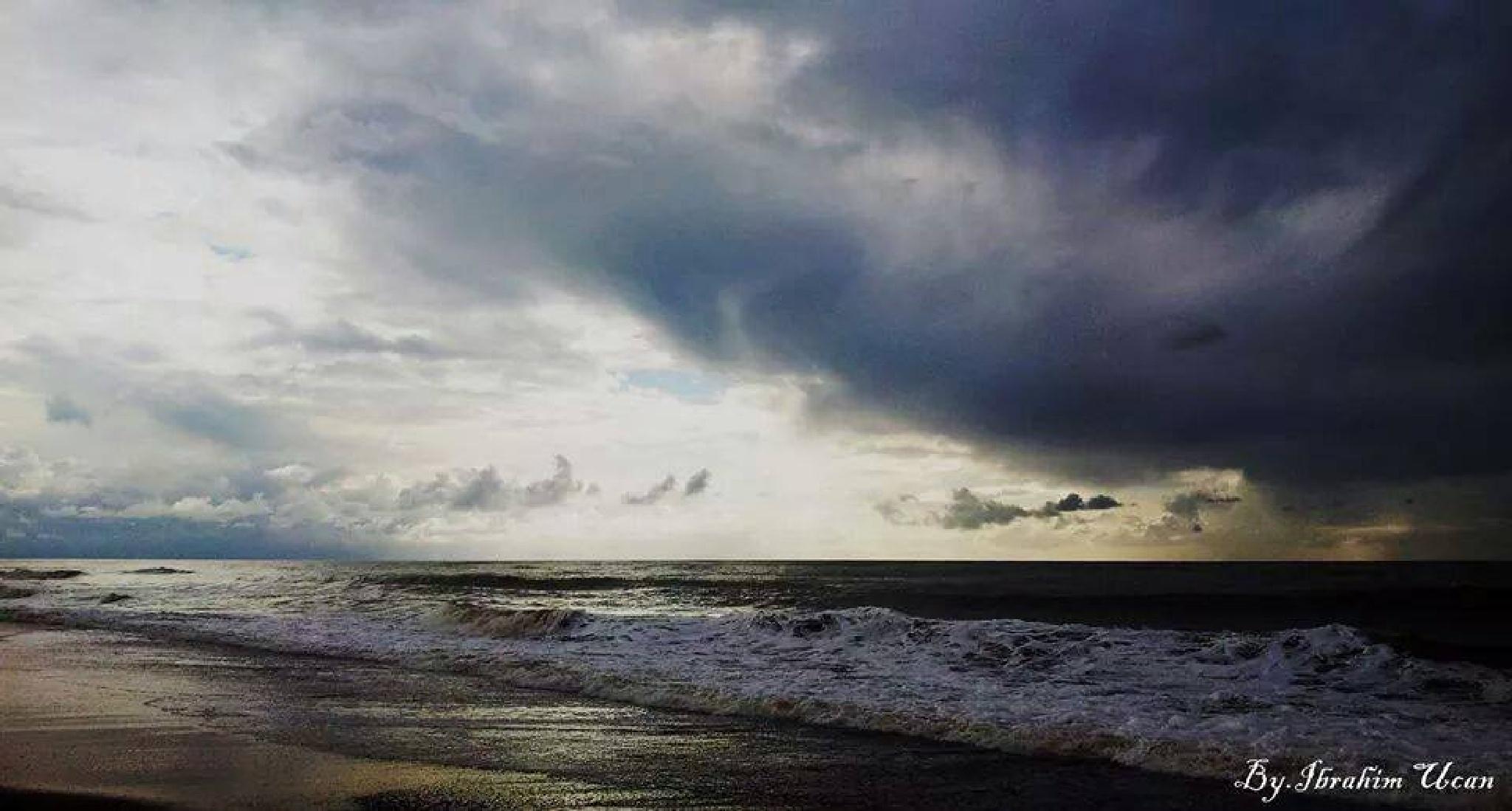 Turkey/Antalya/Sea by Ibrahim Ucan