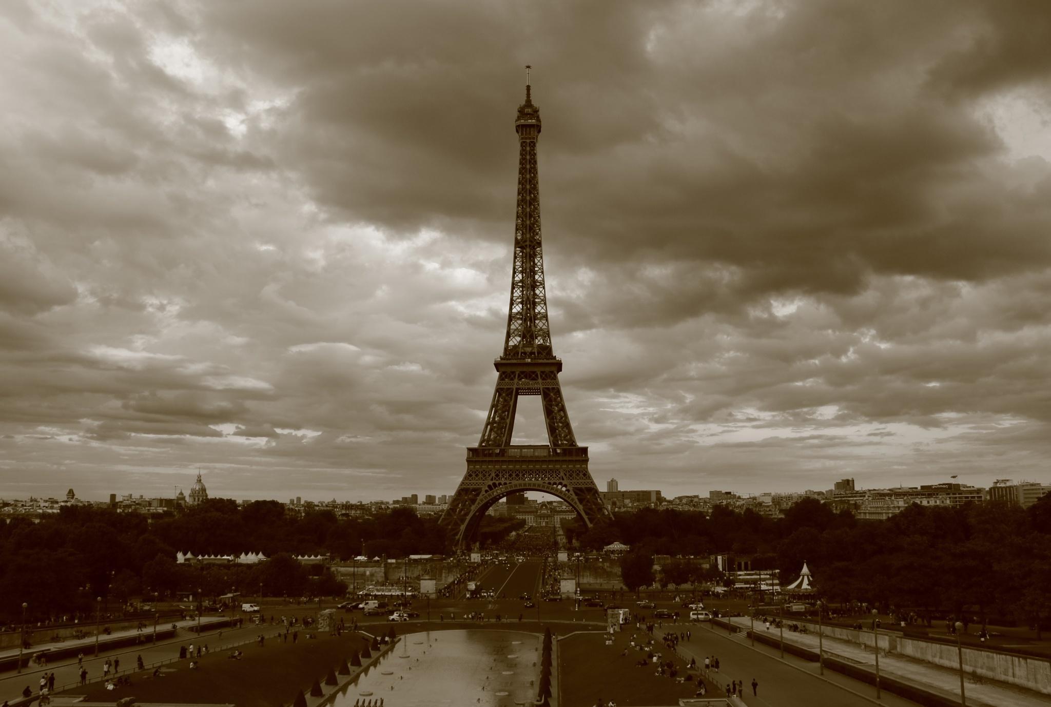 Eiffel Tower, Paris by David McColgan Photography