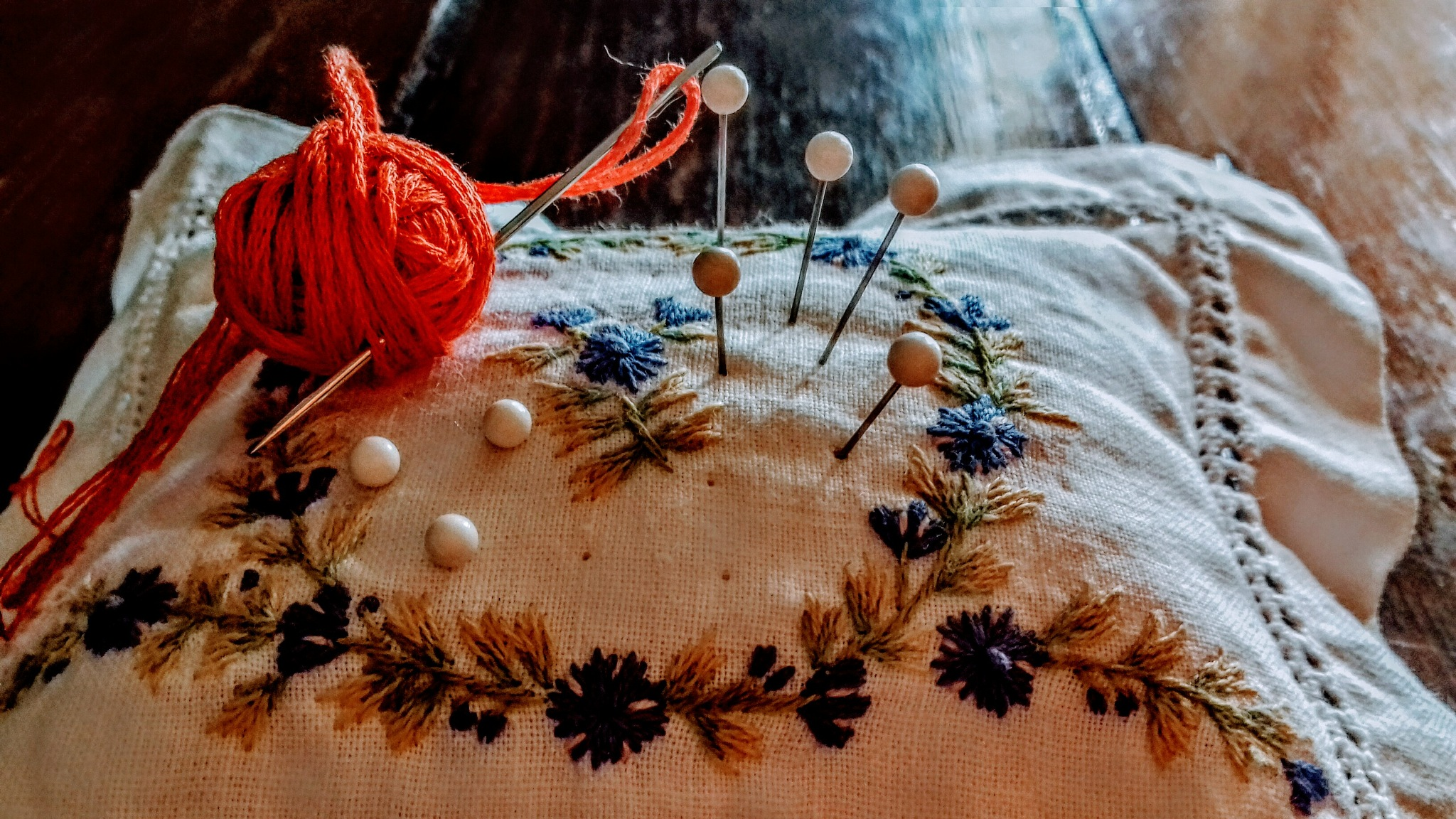 Thread of love. by m. cristina umpierrez albano.