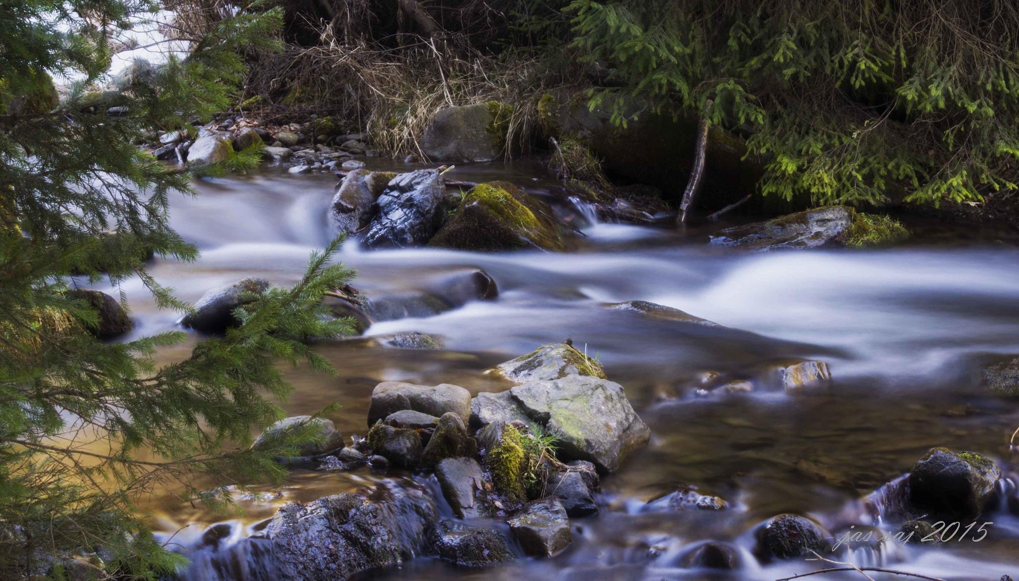 Running water by jassaj