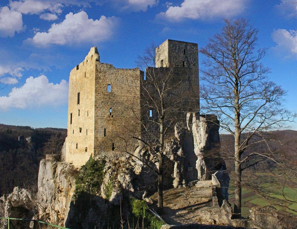 Reussenstein ruin  by dirtyharriet