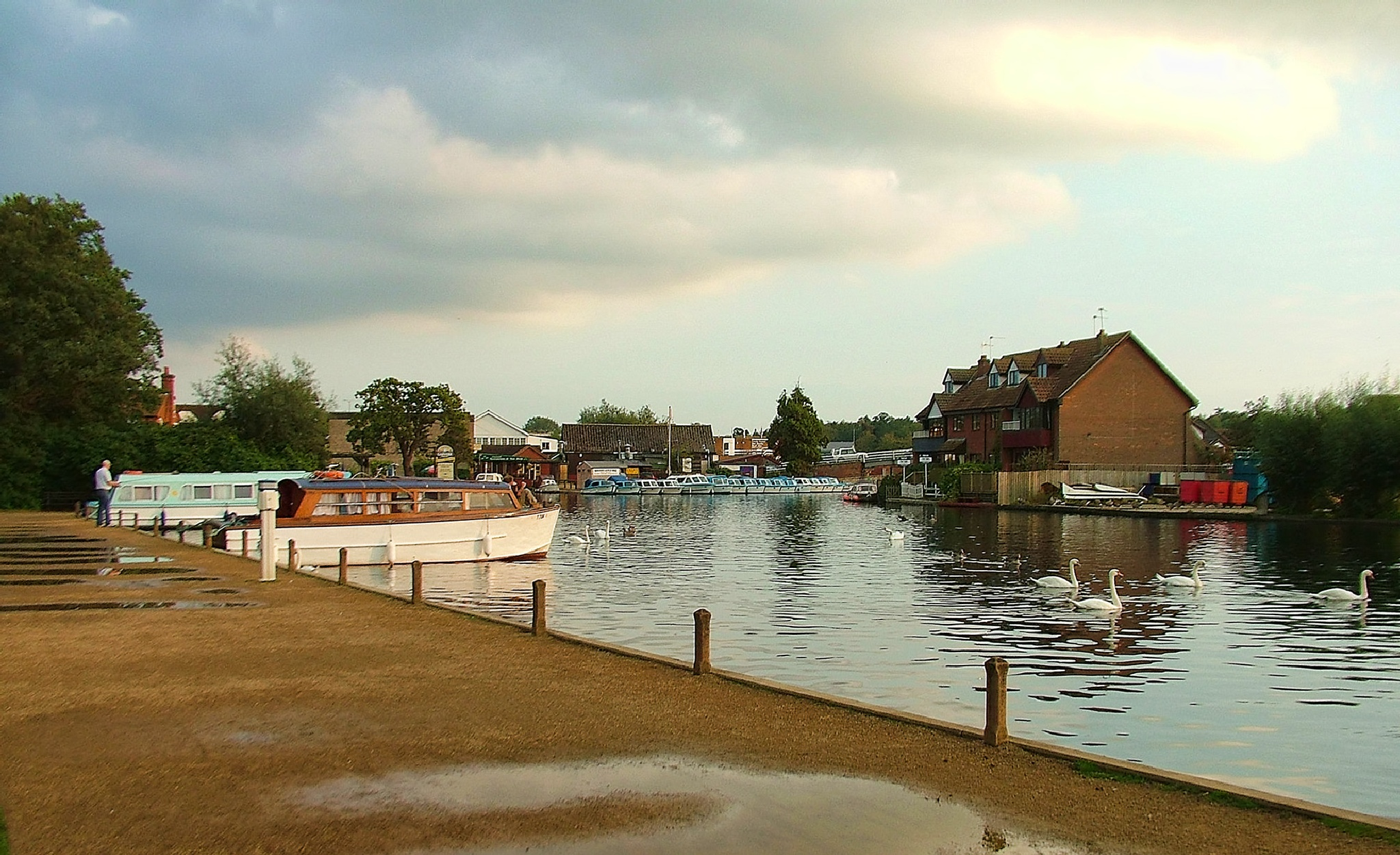 Wroxham.  Norfolk.  UK. by geofftodhunter