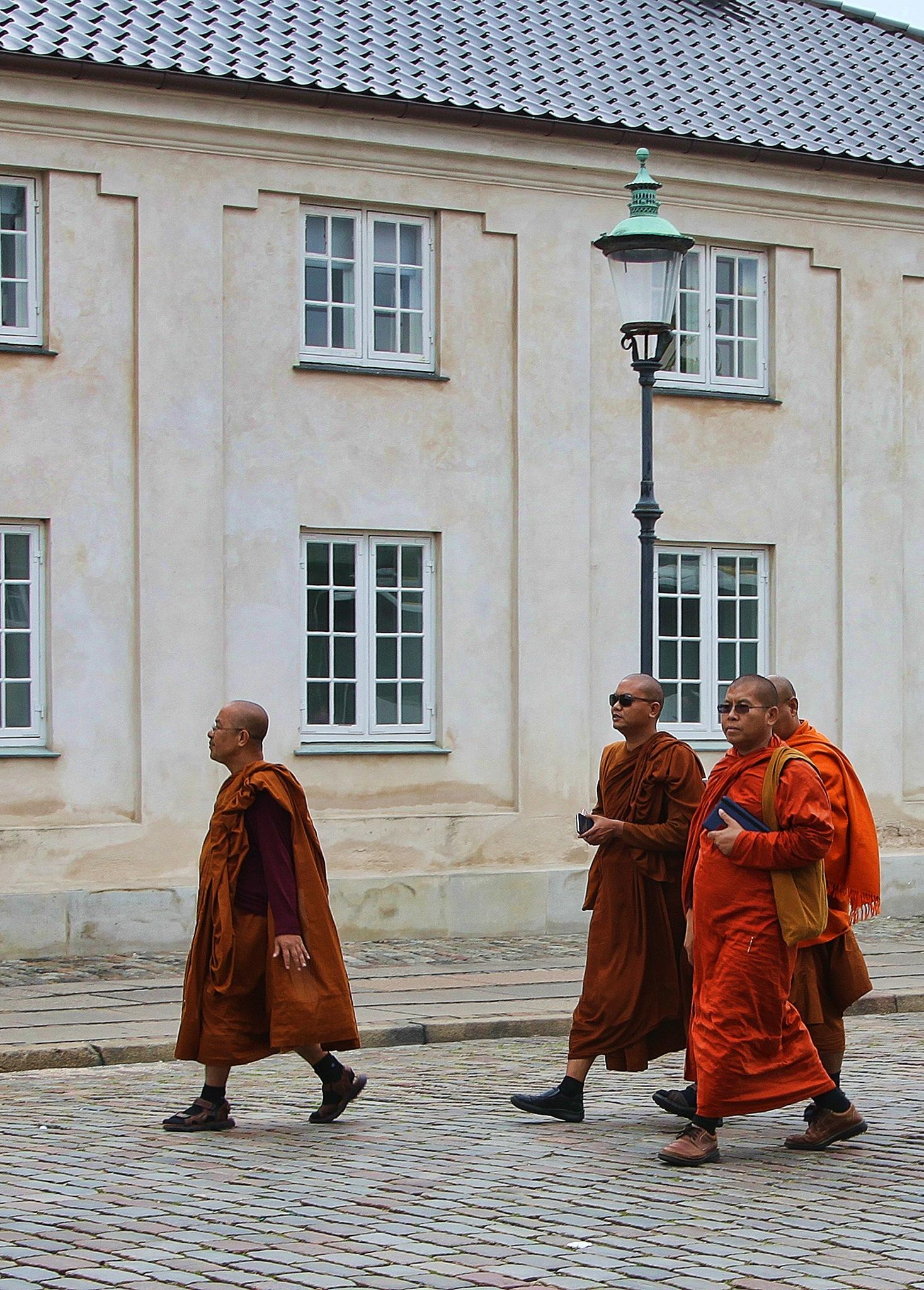 Saffron robes. by geofftodhunter