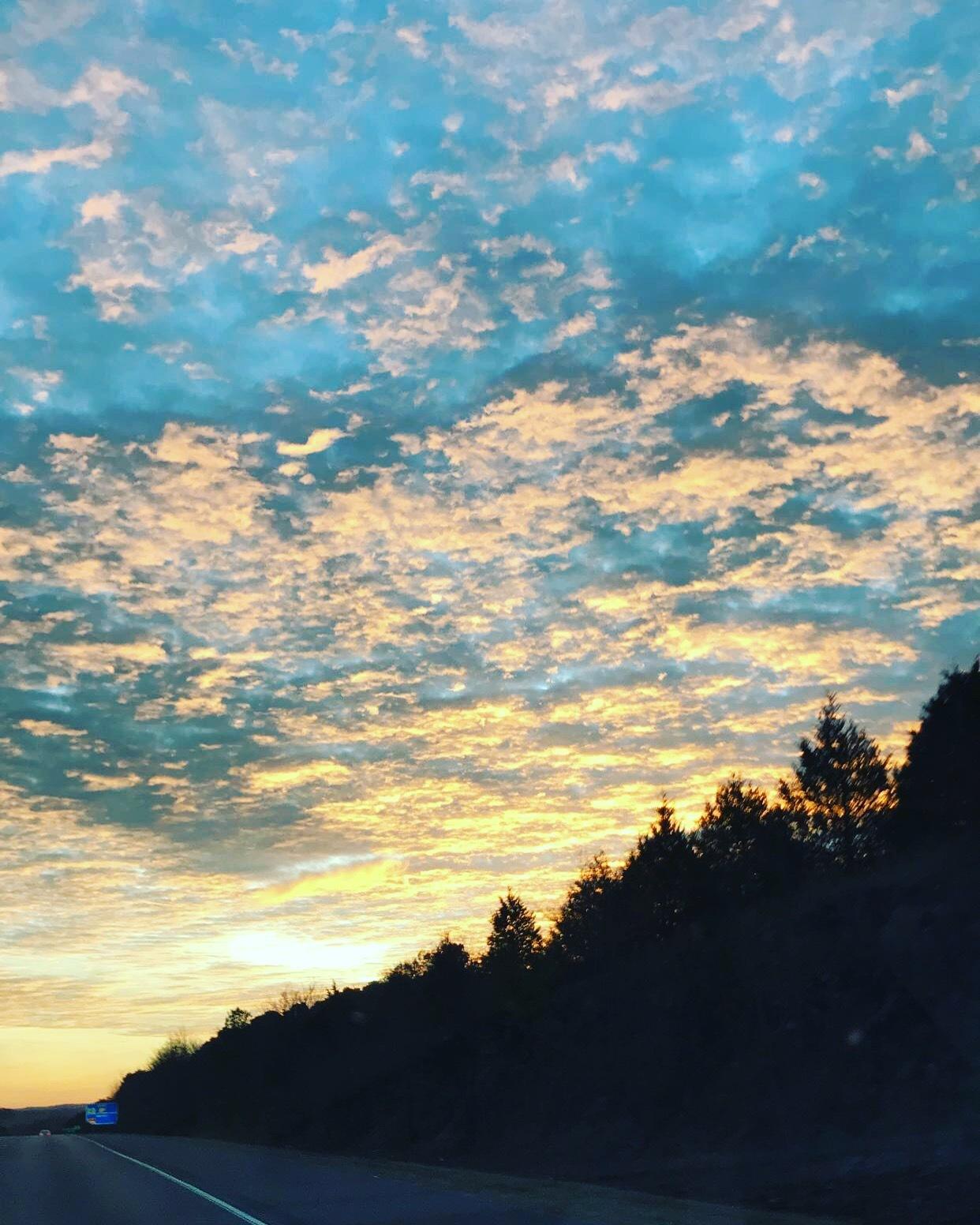 Sunrise by Rhmier