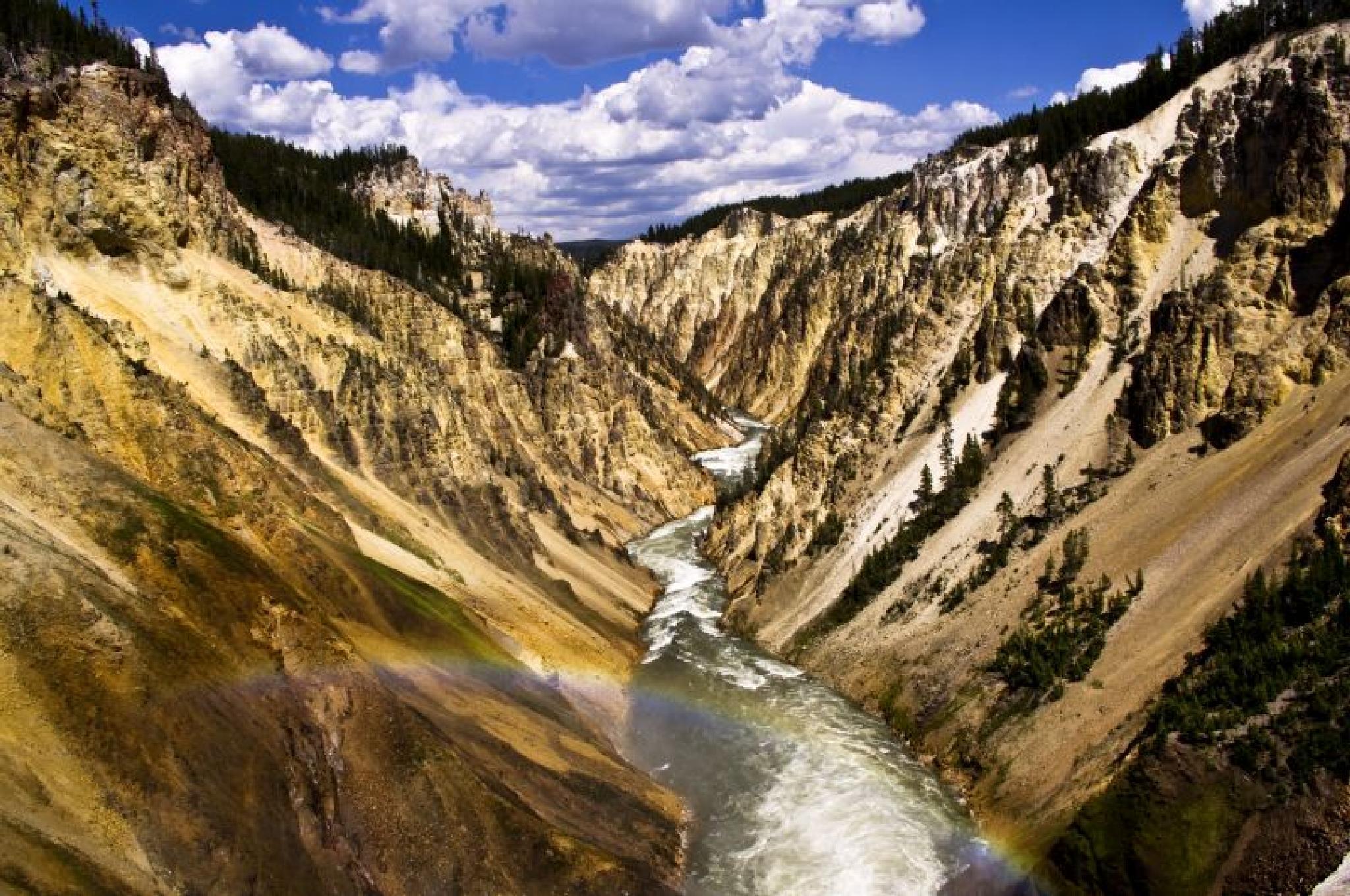 Yellowstone canyon by Zdenko Somorovsky