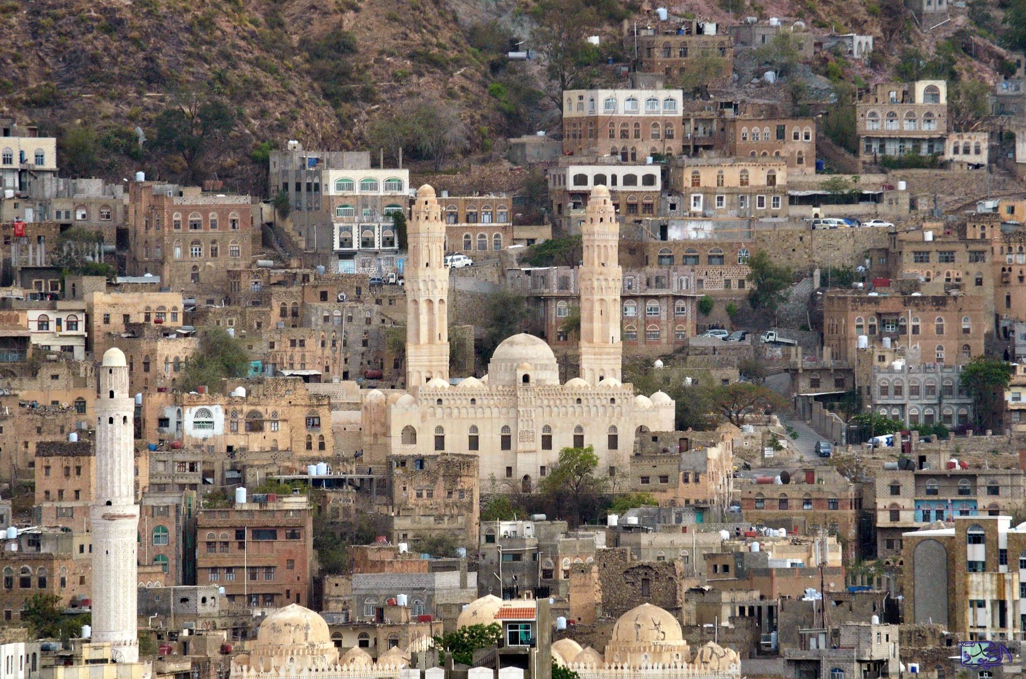 Old City, Taiz, Yemen by massofi