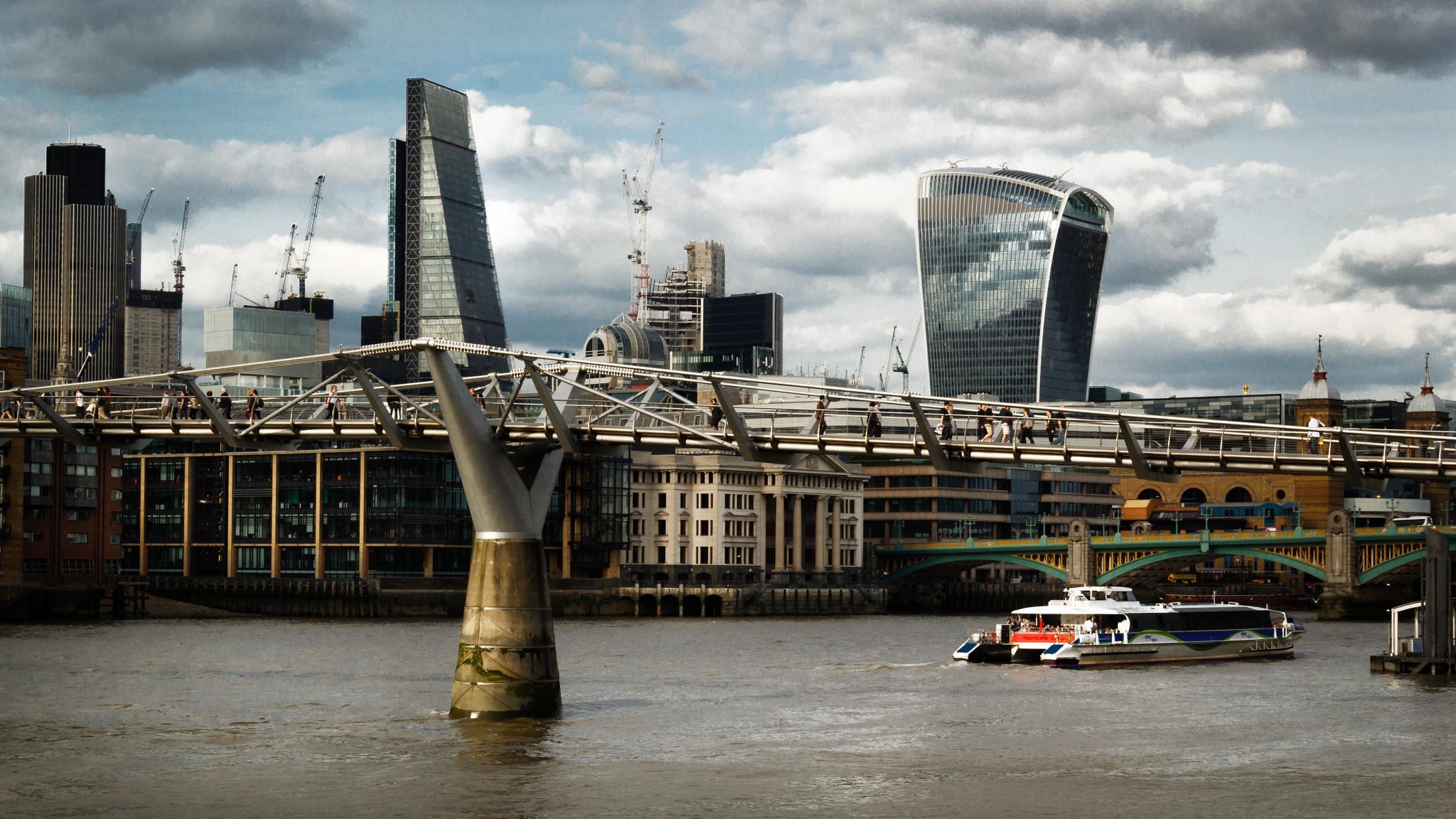 London LVIII by Fabio Rodrigues
