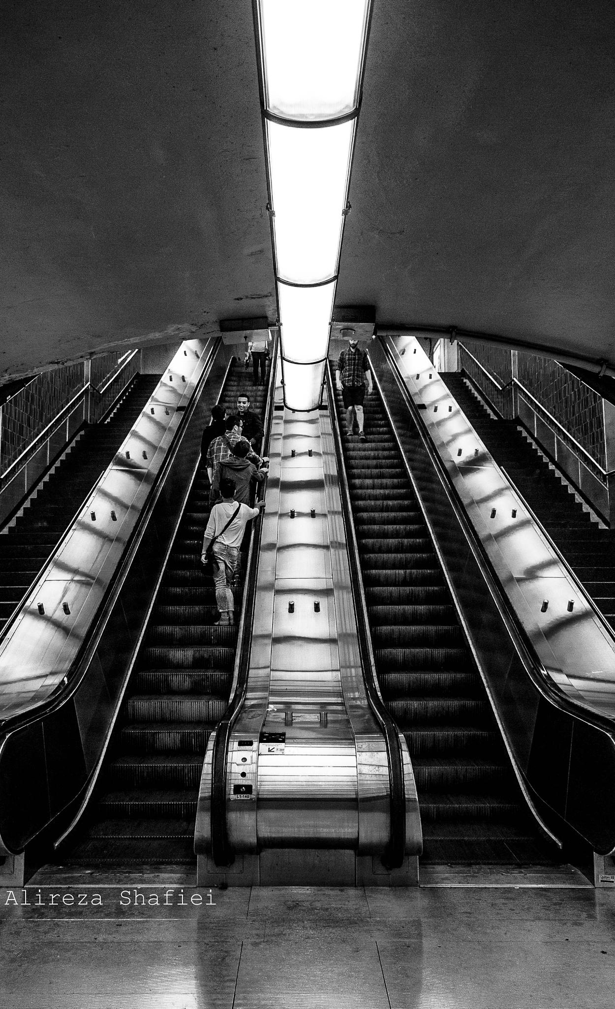 Subway Station by alihammet