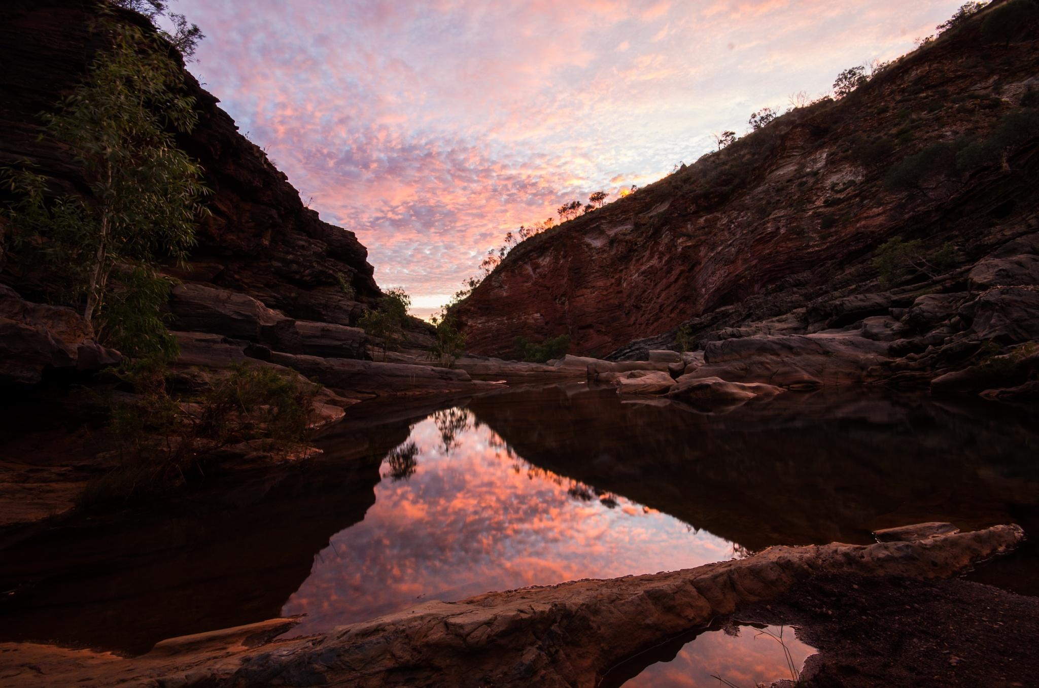 Sunrise reflection by Claudio Lo Cascio
